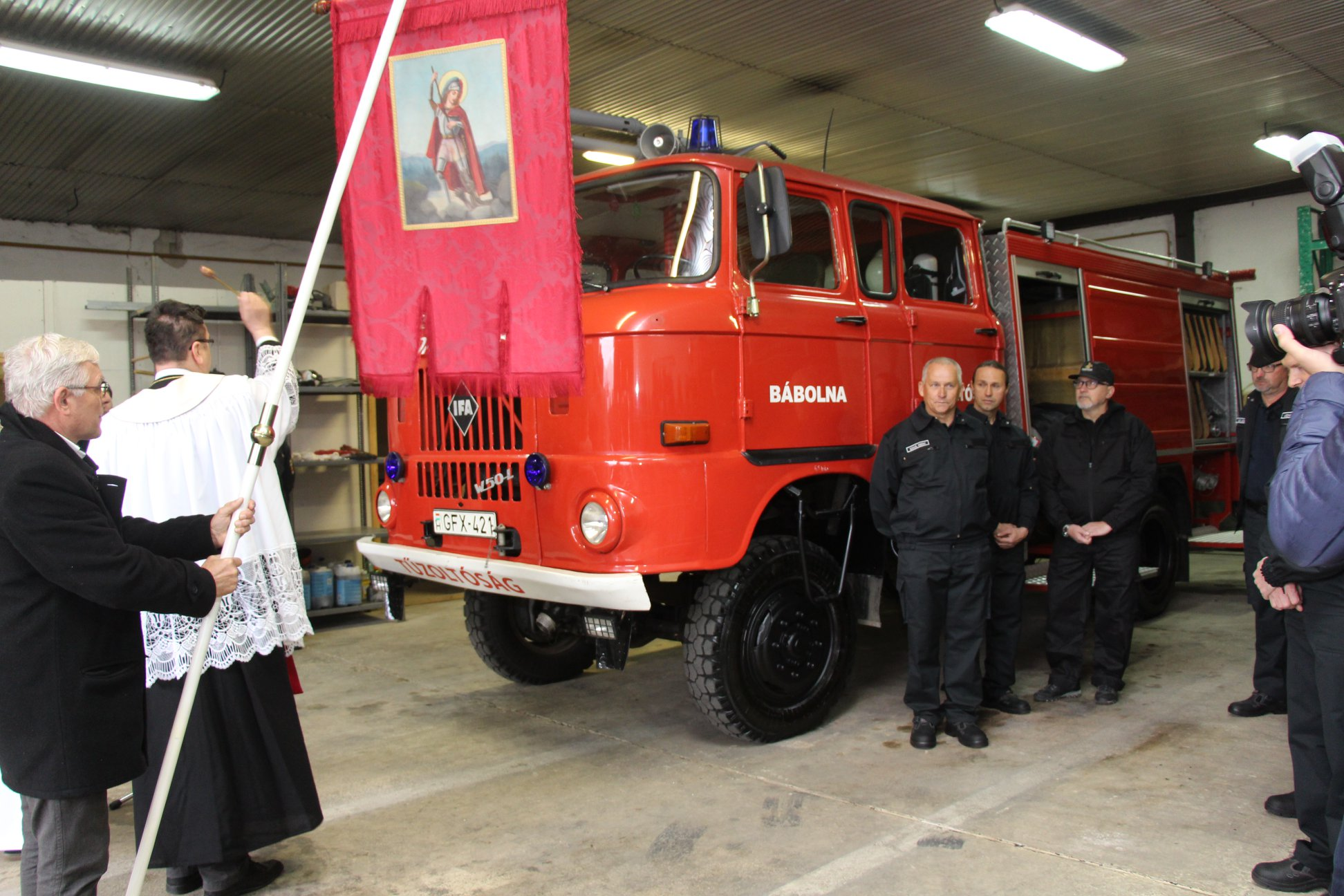 Czunyiné átadott egy IFA tűzoltóautót, amit még Kádár idején gyártottak az NDK-ban