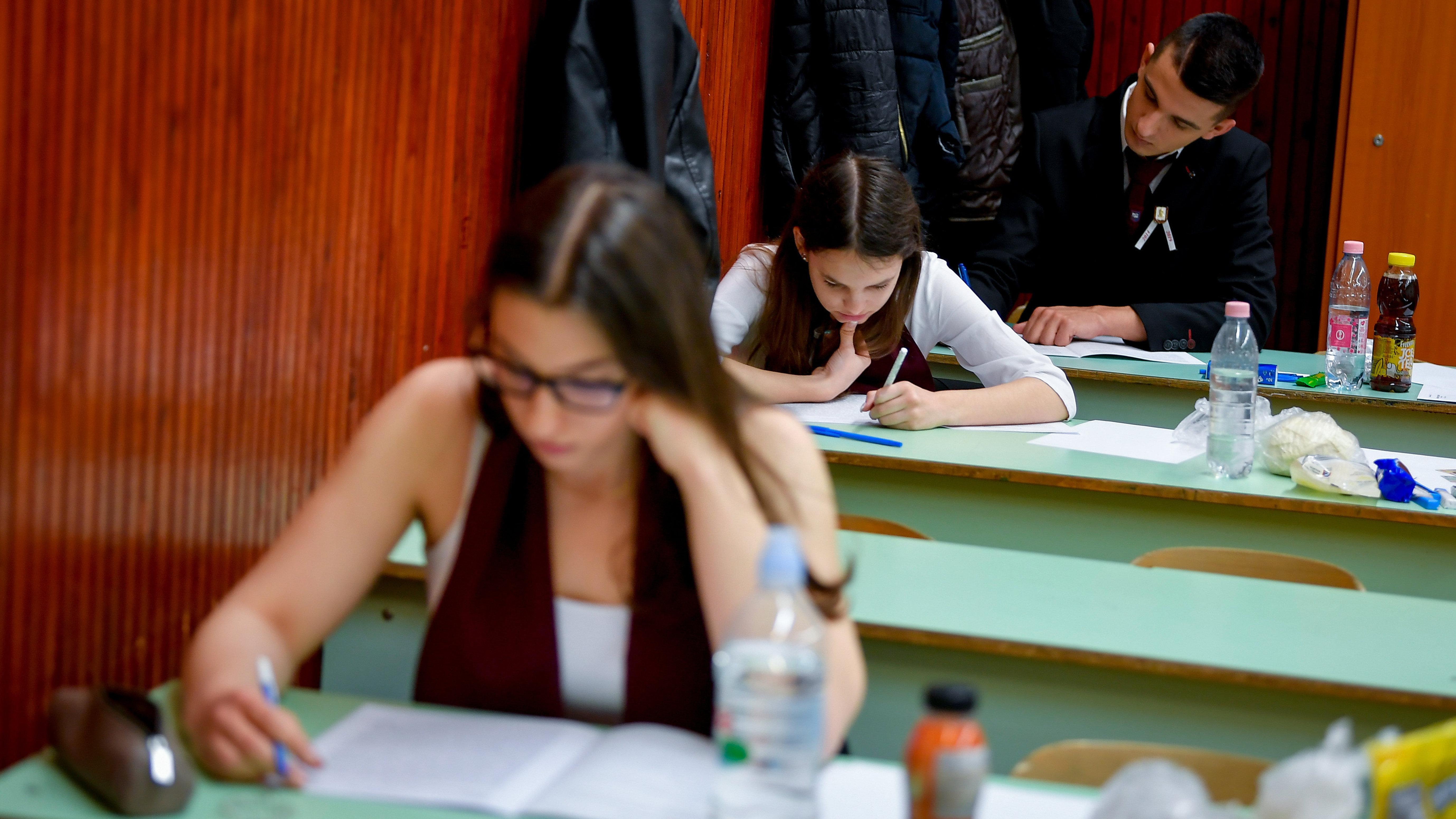 Ma angolból vizsgáznak az érettségizők