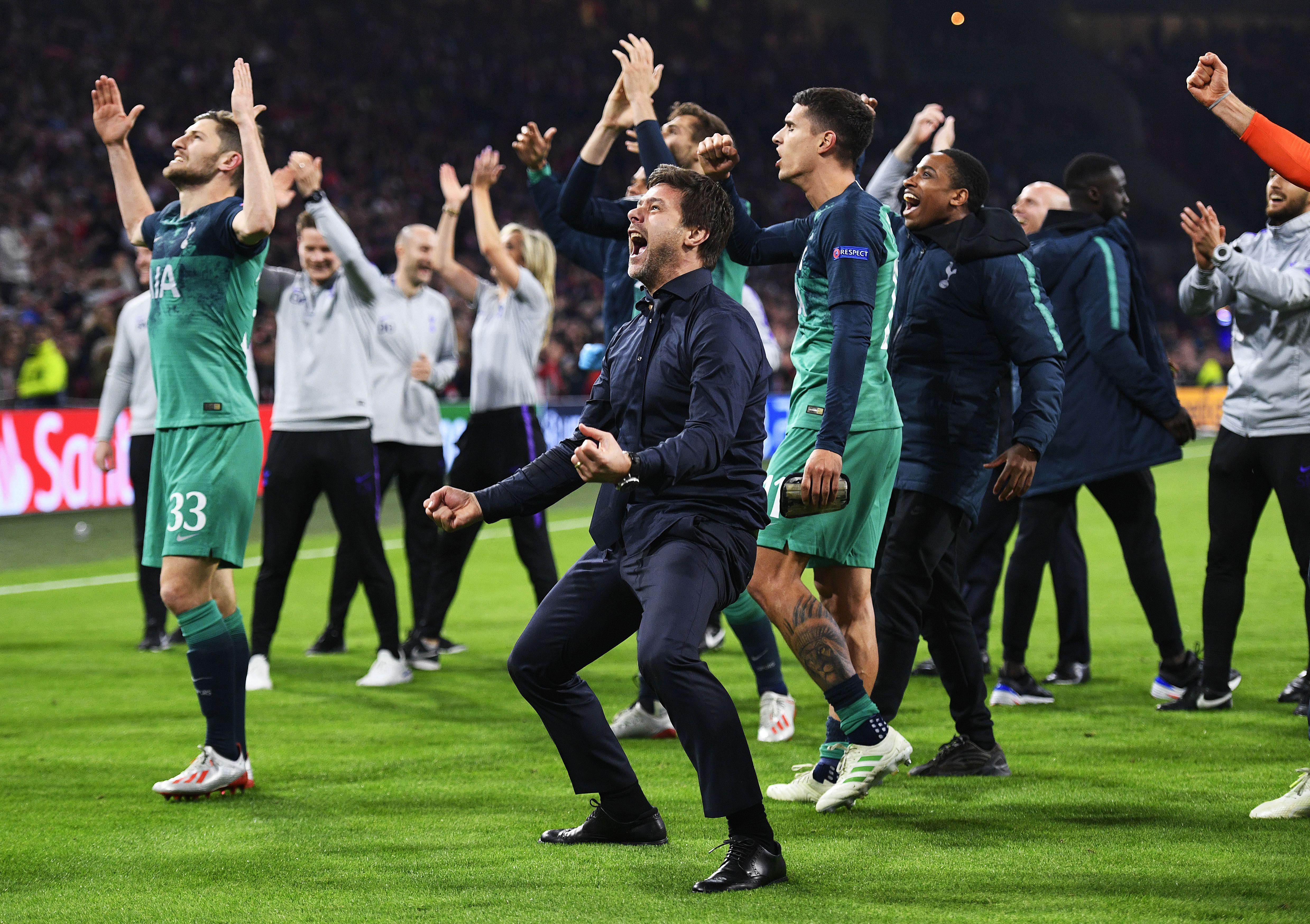 Pochettino zokogva borult játékosai nyakába az Ajax legyőzése után