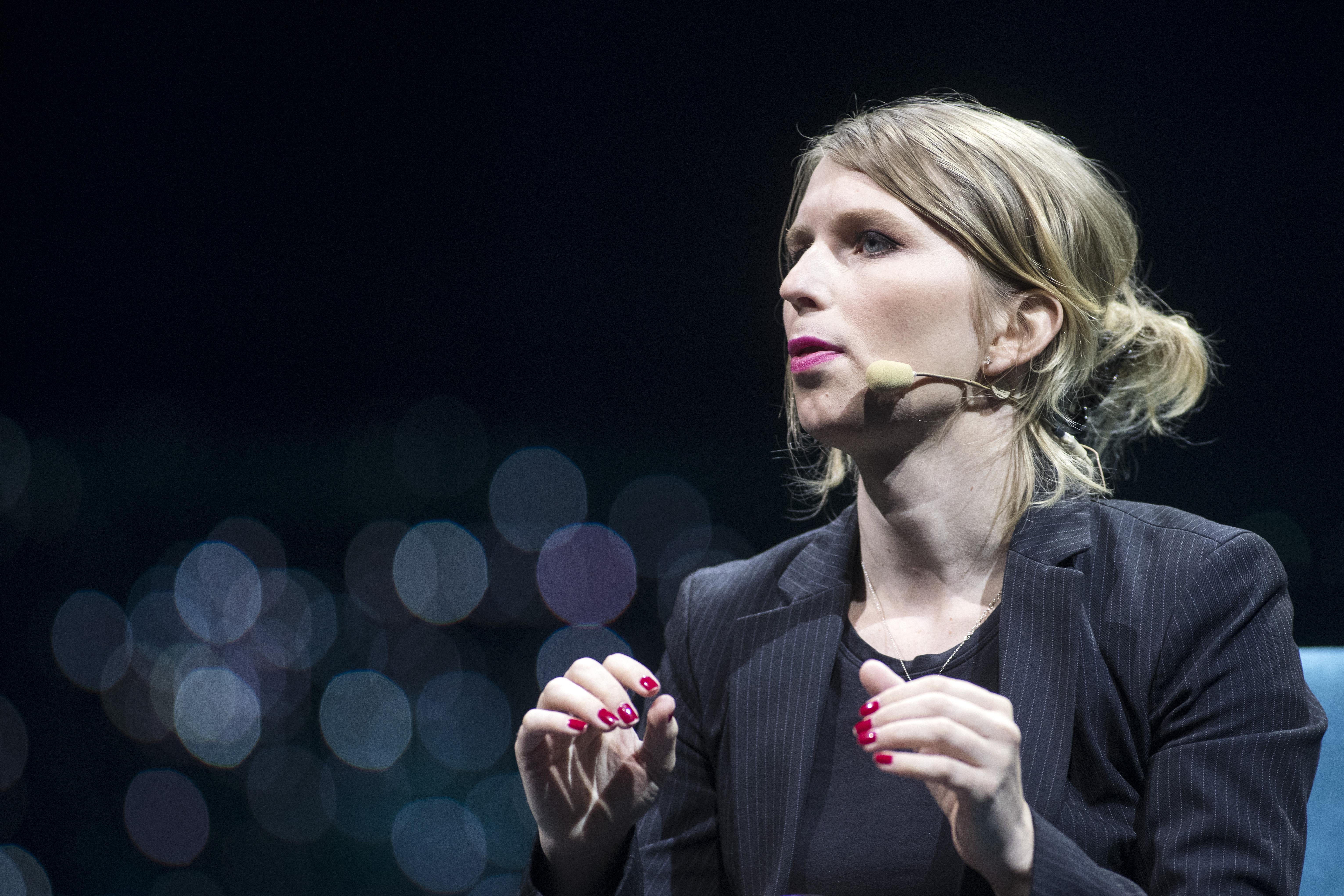 Chelsea Manninget kiengedték a börtönből