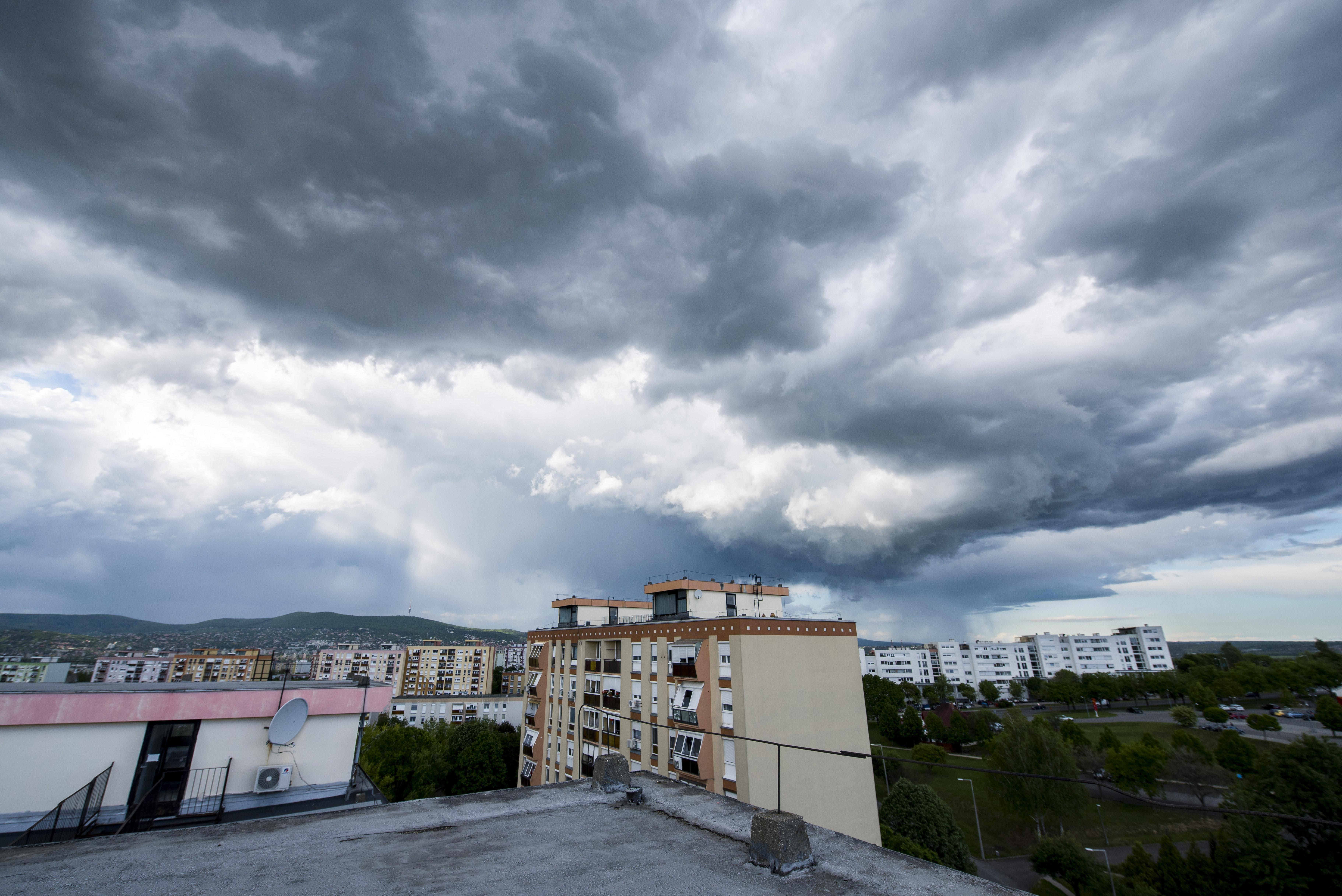 A meleg- és a csapadékrekord is megdőlt vasárnap