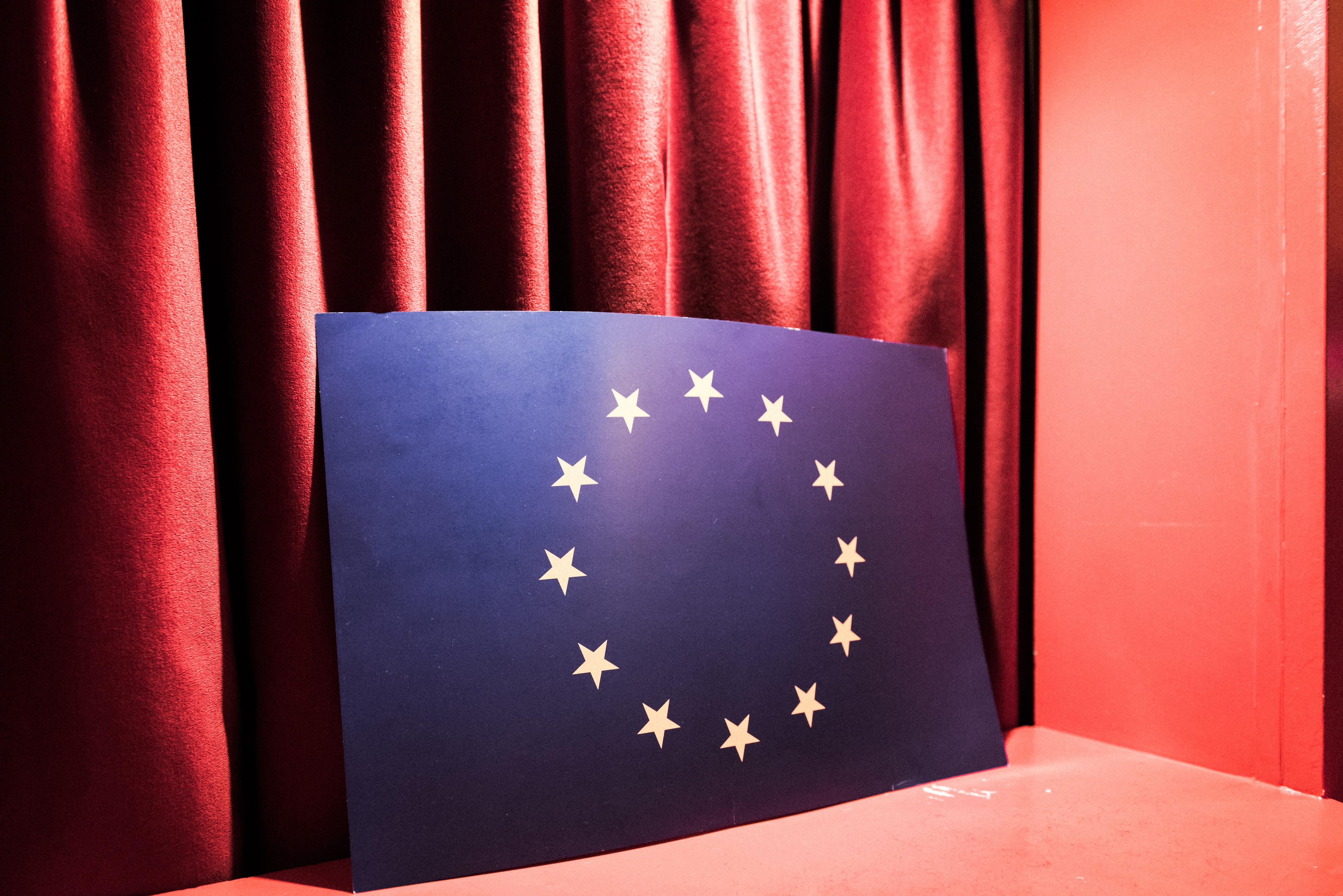 Hétfőtől lehet a külképviseleteken szavazni az EU-n kívüli lakcímmel rendelkezőknek