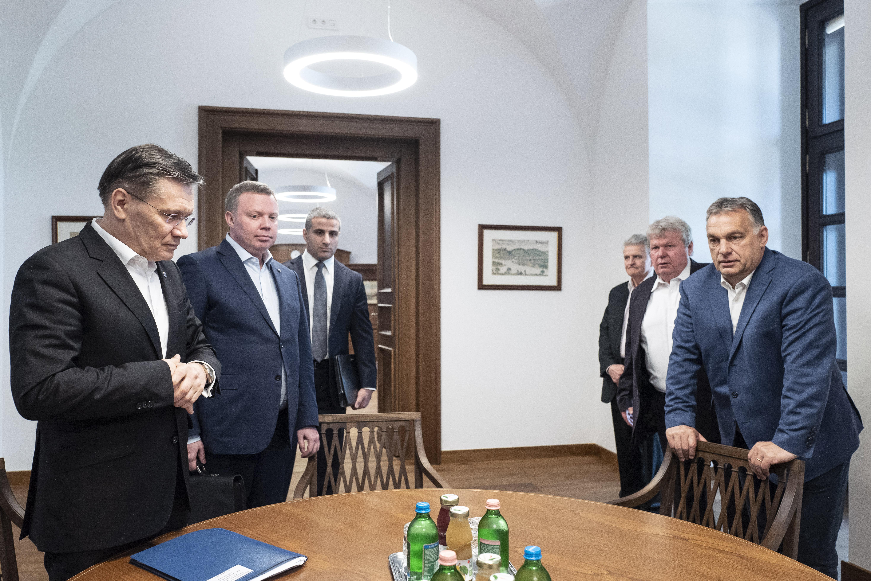 Orbán a Roszatom vezetőjével találkozott