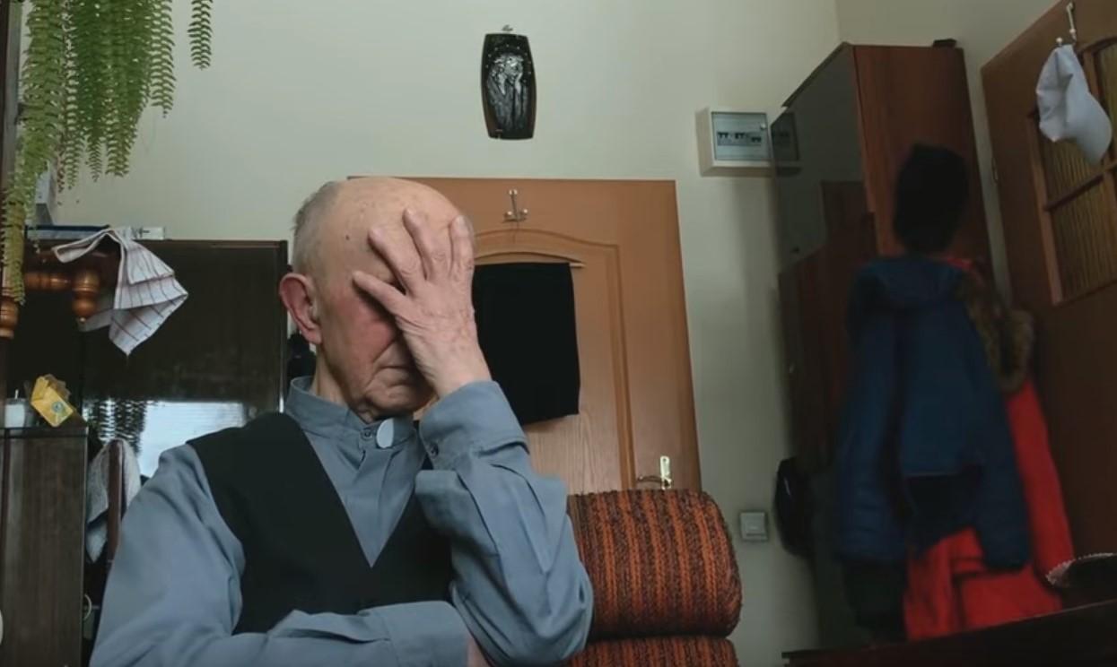 Rejtett kamerás felvételeken szembesítik a pedofil papokat áldozataikkal, felbolydult Lengyelország