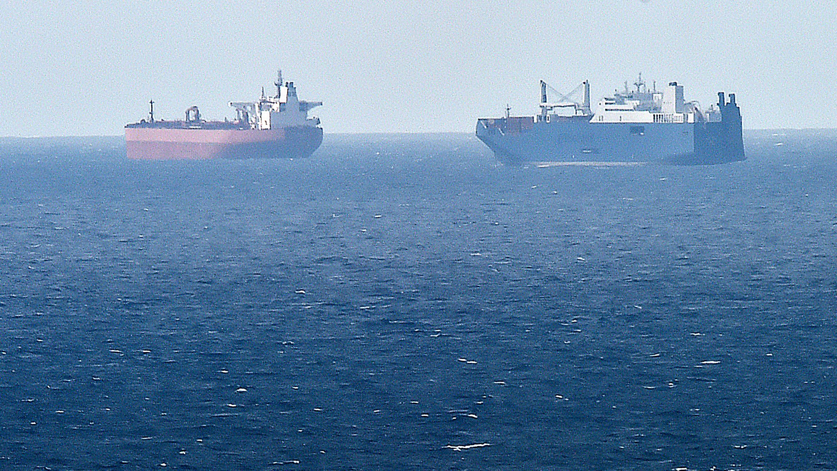 Szaúdi olajszállítókat ért támadás a Perzsa-öbölben