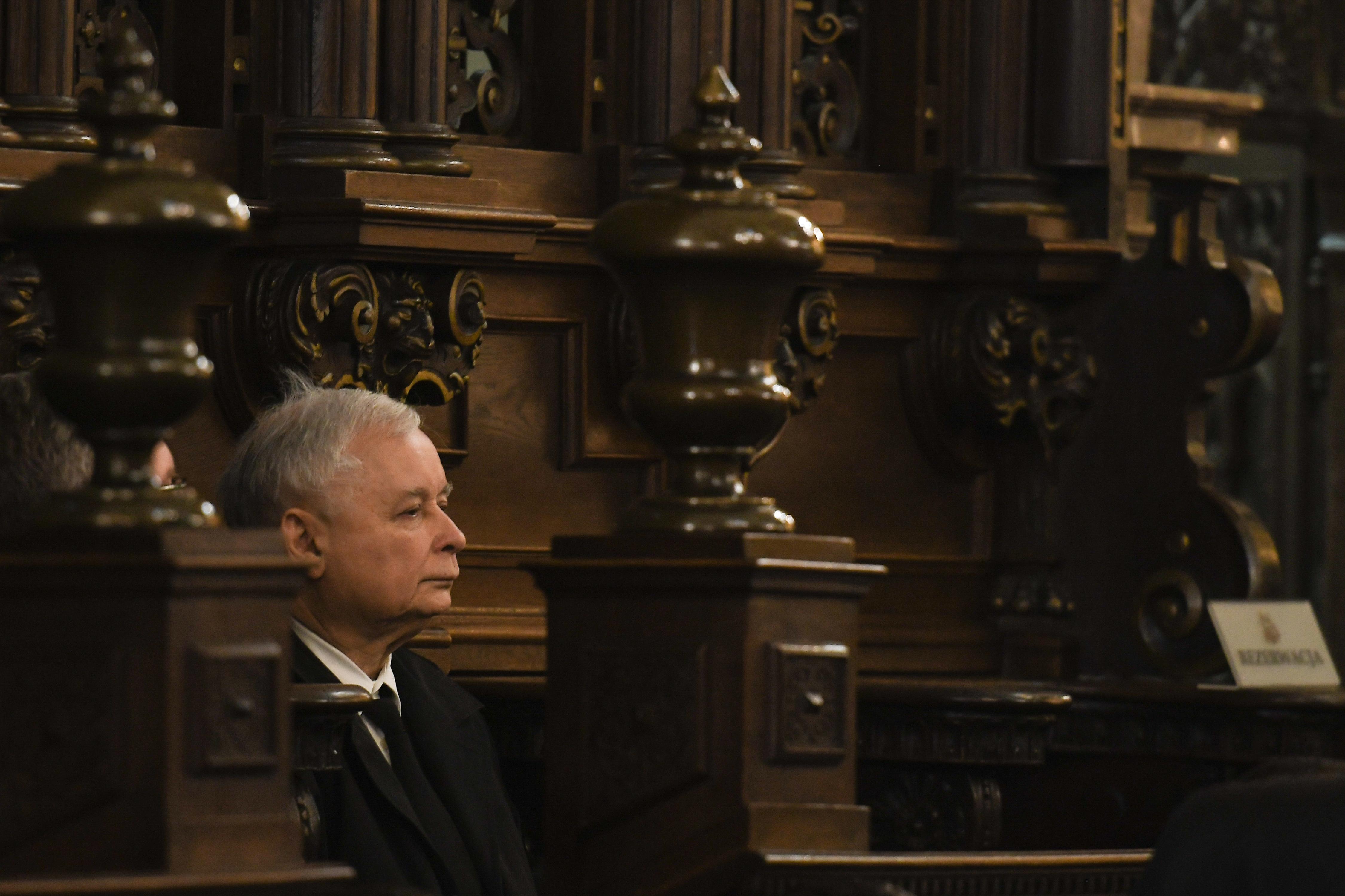 Kaczyński bemegy a kormányba