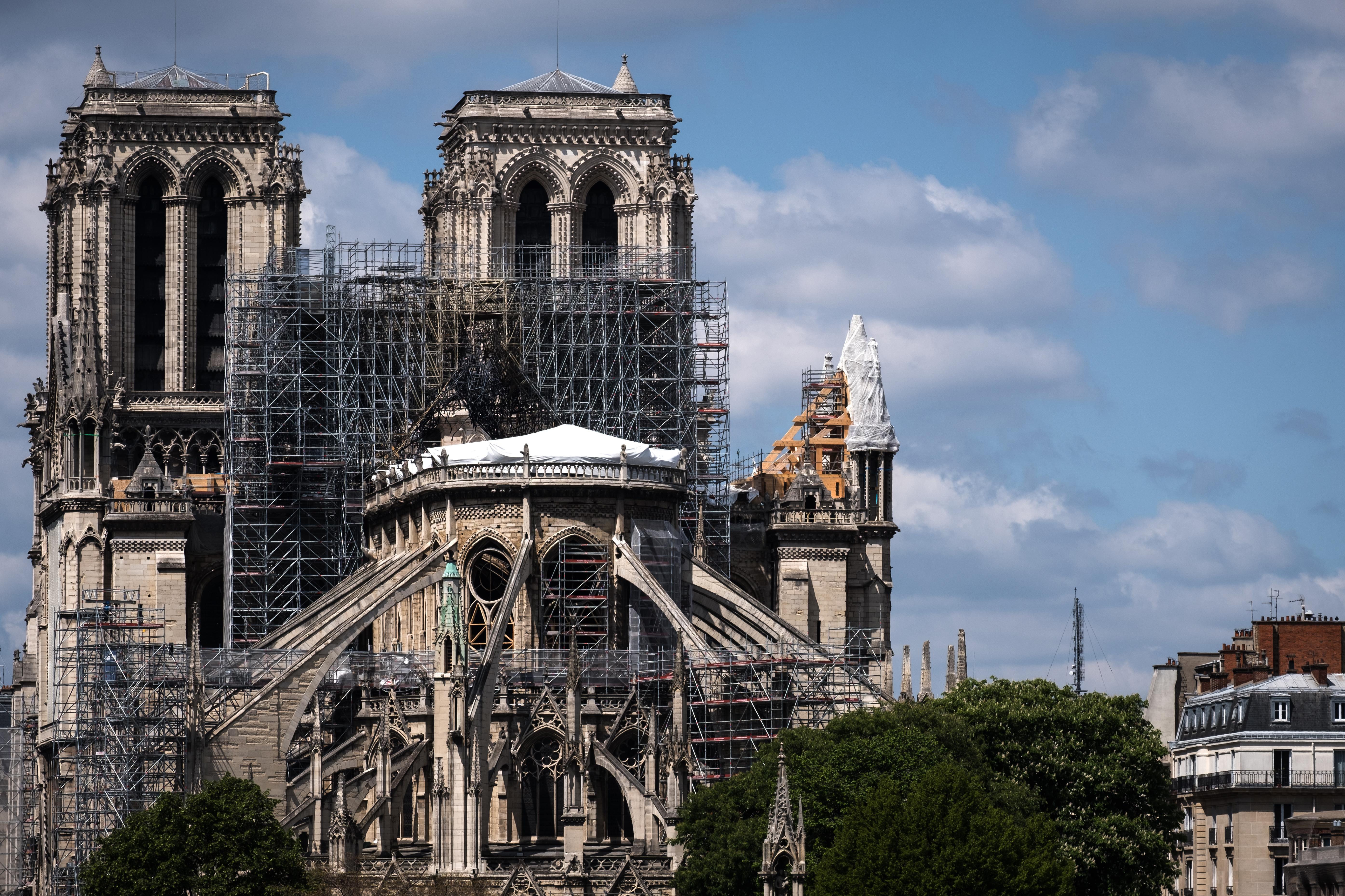 Egy éve égett le a Notre Dame, ma este harangozással emlékeznek az évfordulóra