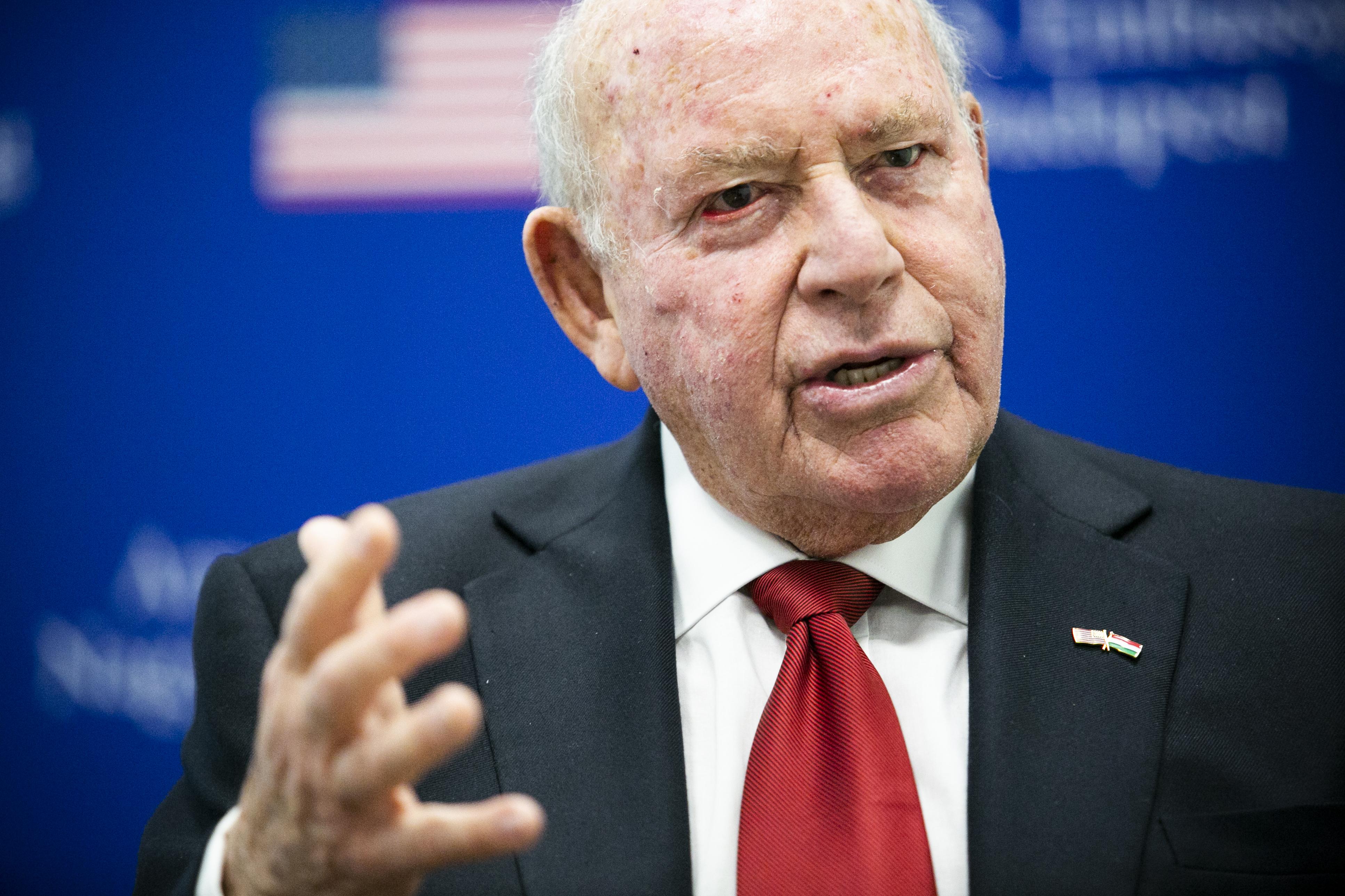 Cornstein: Magyarország jelentős orosz, kínai és amerikai érdeklődésre tart számot