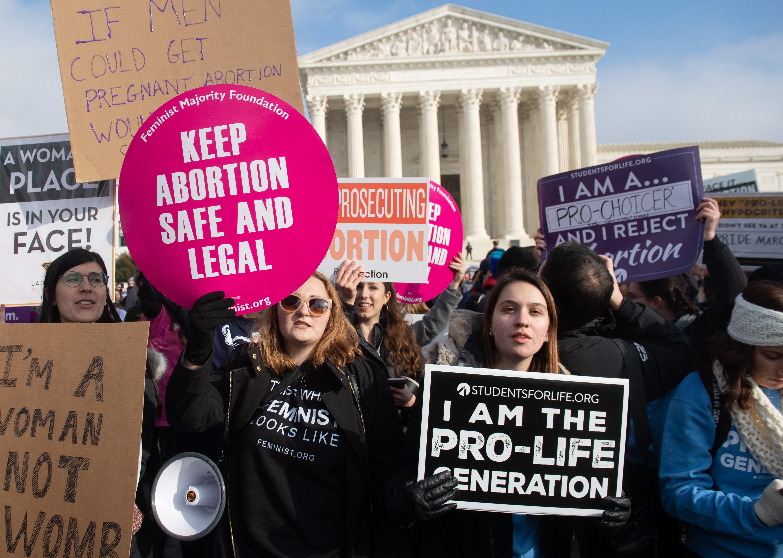 Még idén korlátozhatja az abortuszt az USA legfelső bírósága