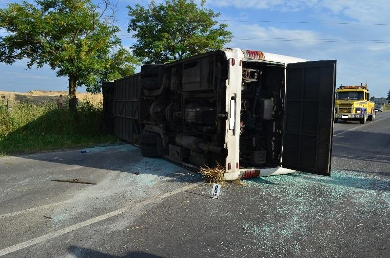 Részeg volt a buszsofőr, aki Ceglédnél okozott tömegszerencsétlenséget
