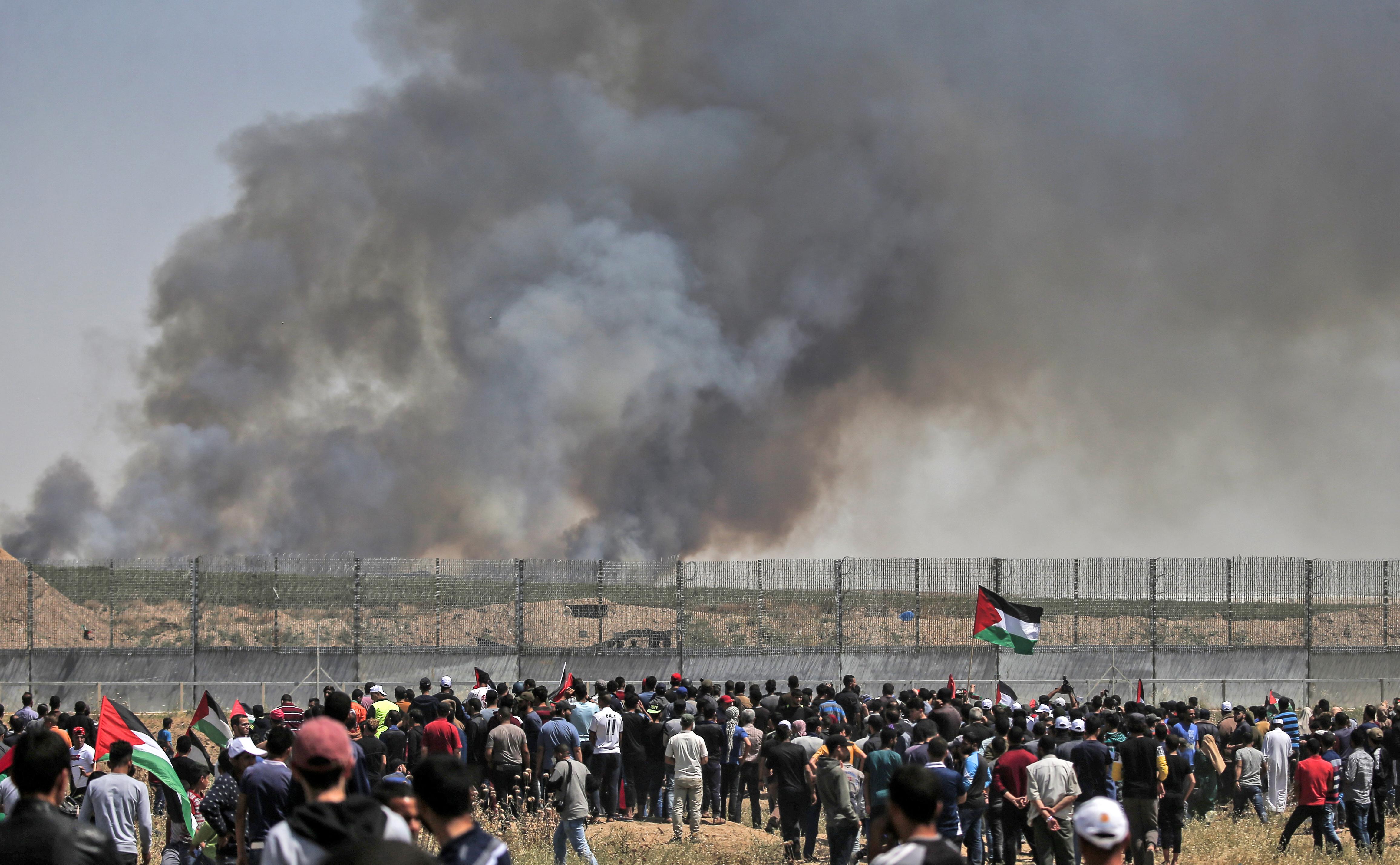 Legalább 65 palesztin tüntető sérült meg az izraeli erőkkel való összecsapásokban a Gázai övezet és Izrael határán