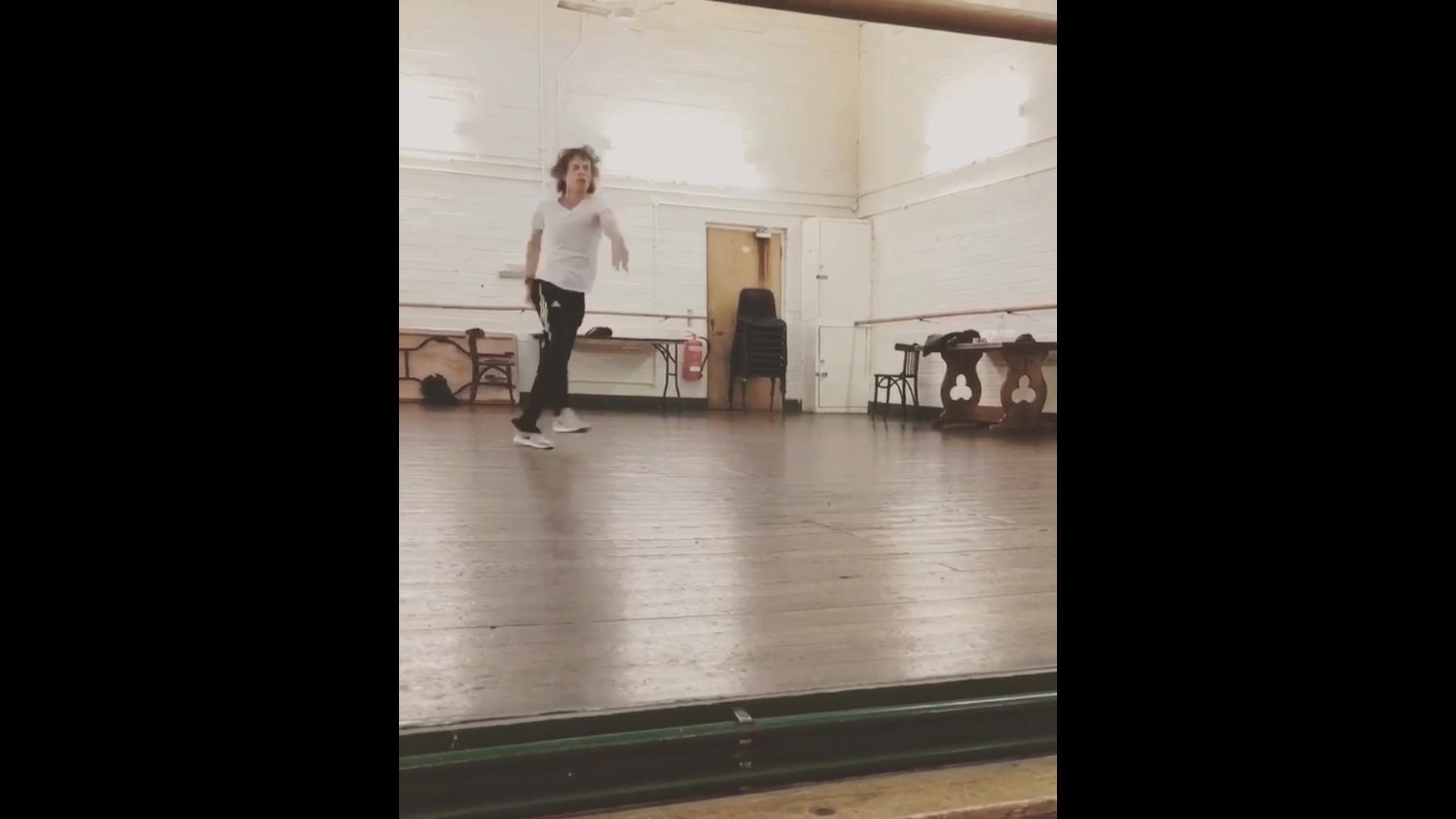 Így táncol egy 75 éves dédnagypapa egy hónappal a szívműtétje után