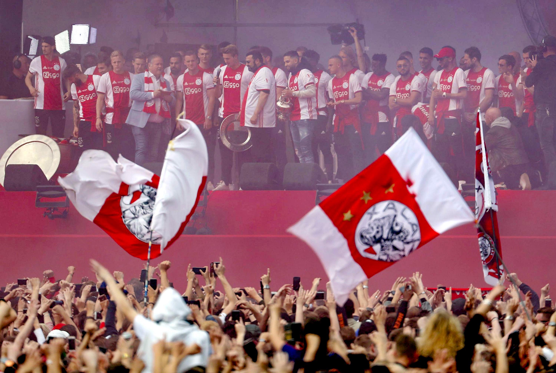 Az UEFA nem engedte, hogy az Ajax az új mezeivel Bob Marley előtt tisztelegjen