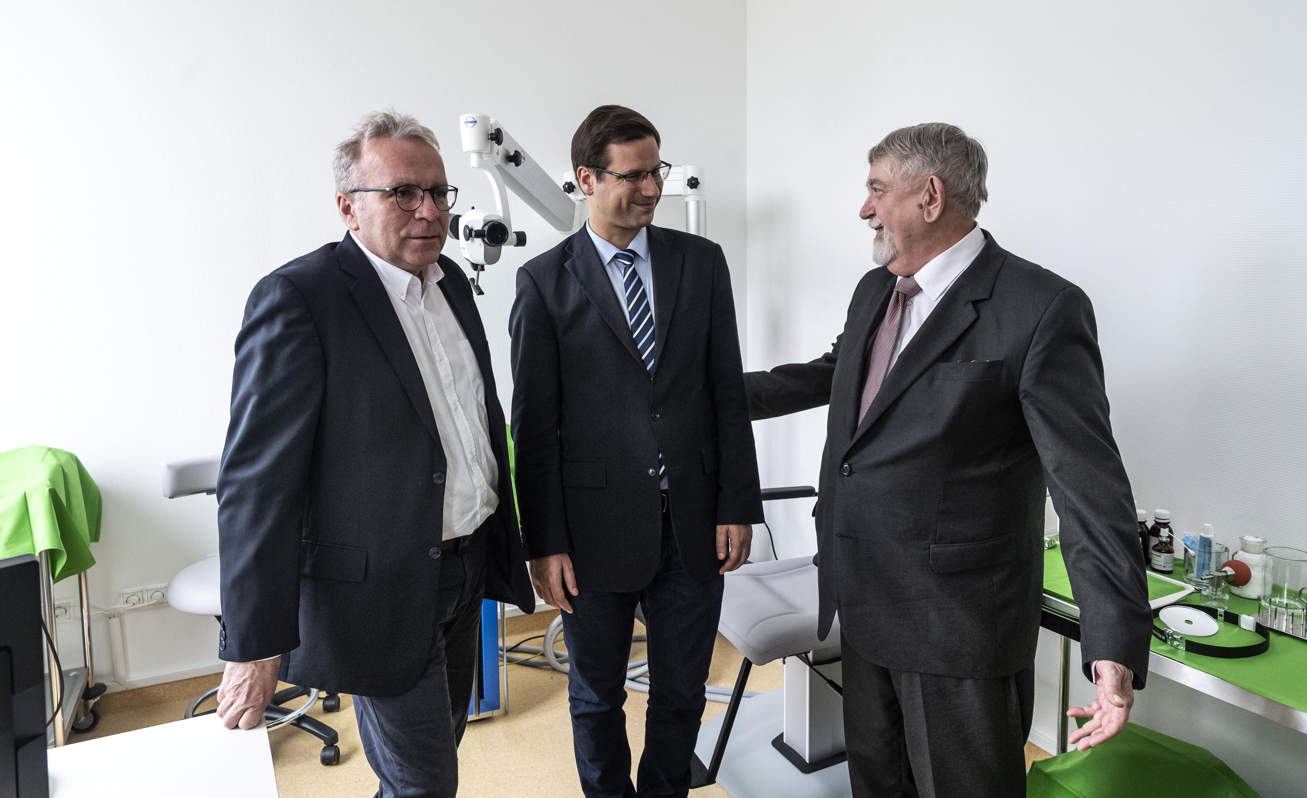 János-kórház: Az ellenzéki sajtó visszájára fordít és a negatív kampány részévé tesz egy jó szándékú kezdeményezést