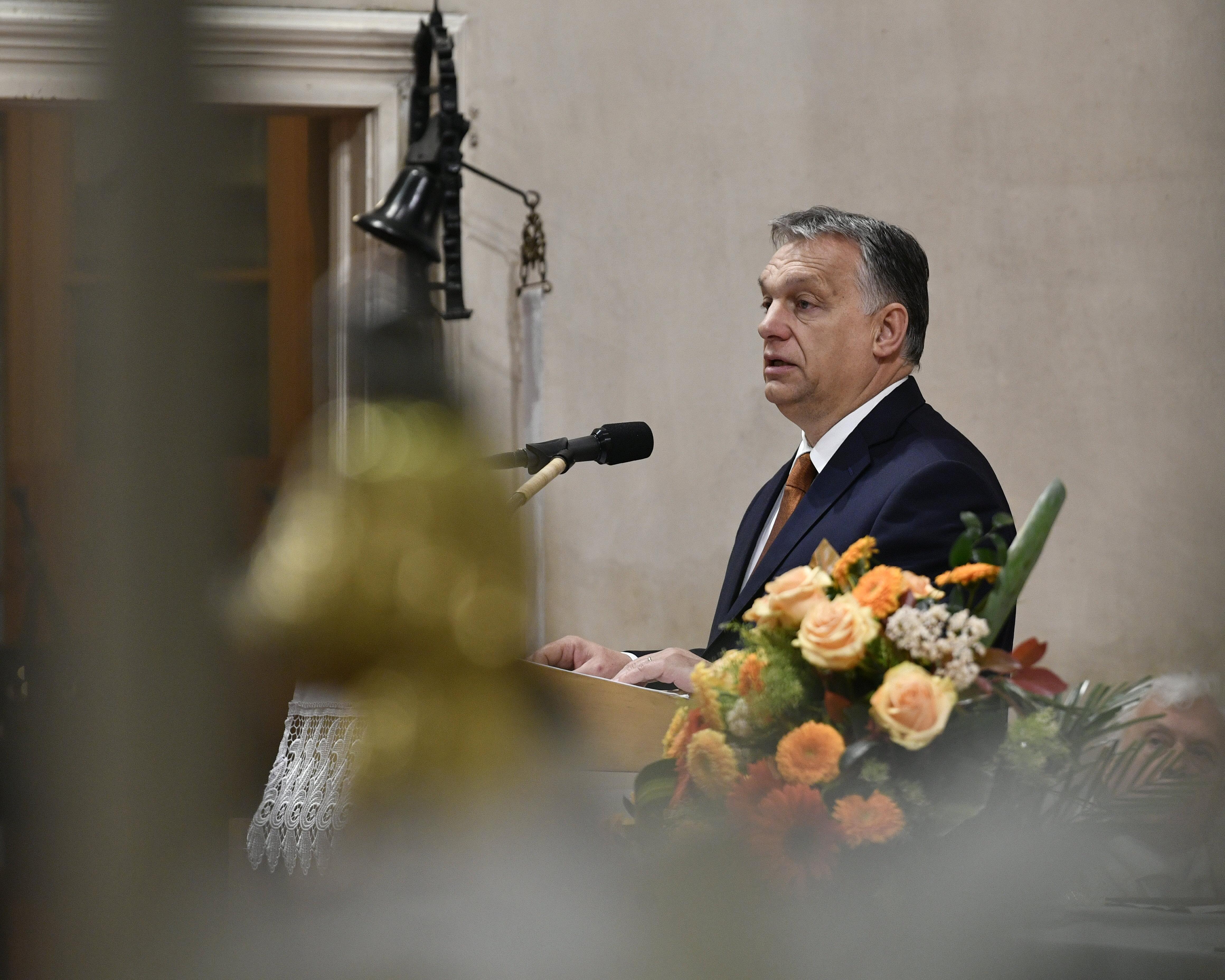 Orbán a szószékről: csak a kereszténység kétezer éves fundamentumán állva lehet megvédeni értékeinket