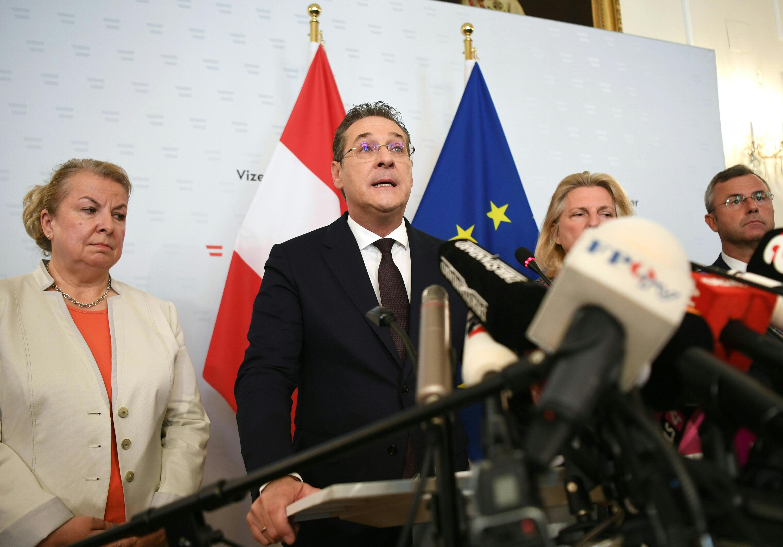 Az Osztrák Néppártnál és az Osztrák Szociáldemokratáknál is vizsgálódik az ügyészség a Strache-ügyben