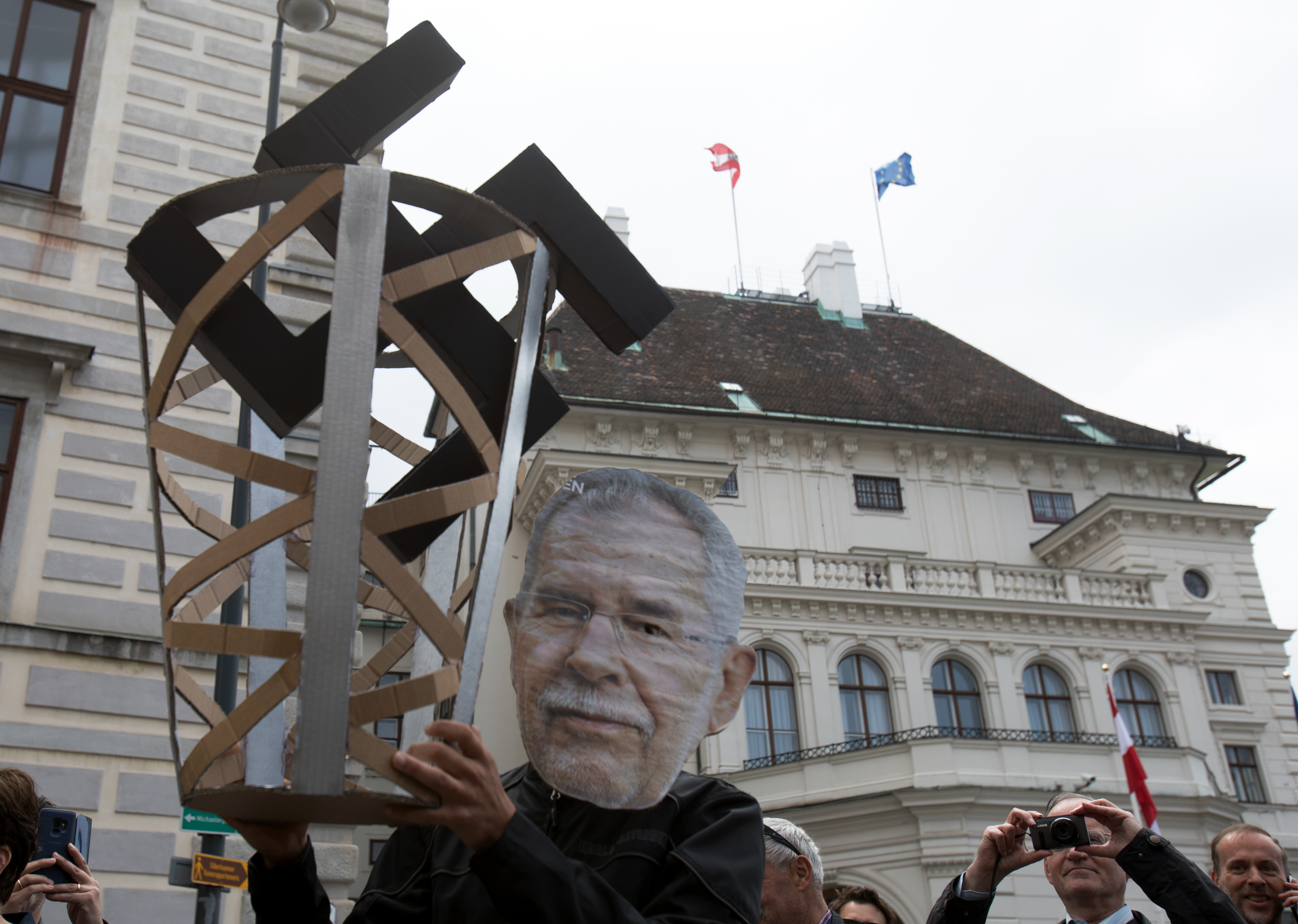 Előrehozott választások lehetnek Ausztriában a Szabadságpárt tagjai szerint