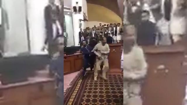 Verekedésbe fulladt a kabuli parlament házelnök-választása