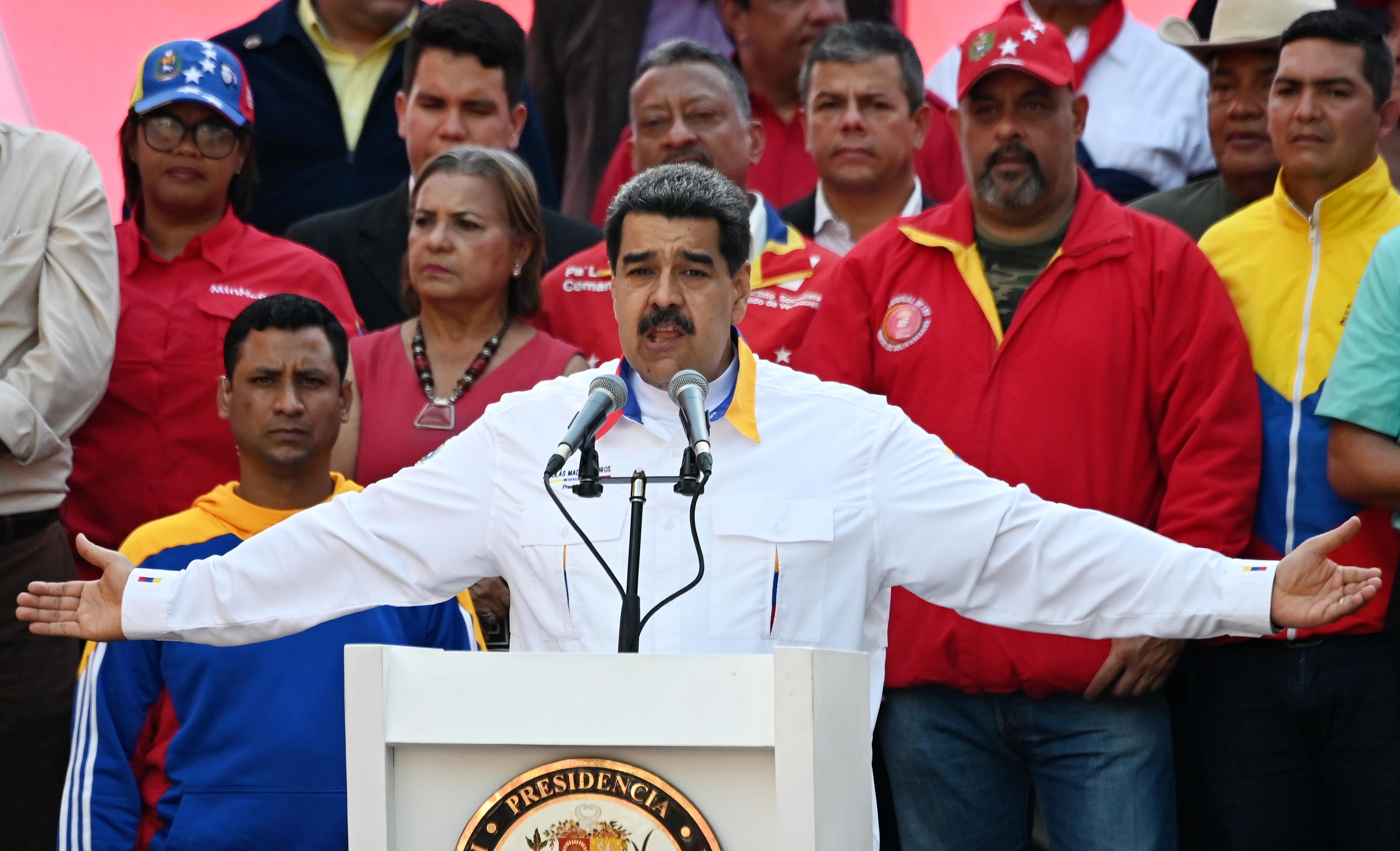 Fejenként 24 év börtönt kaptak azok a venezuelai katonák, akik megpróbálták megdönteni Maduro elnök hatalmát