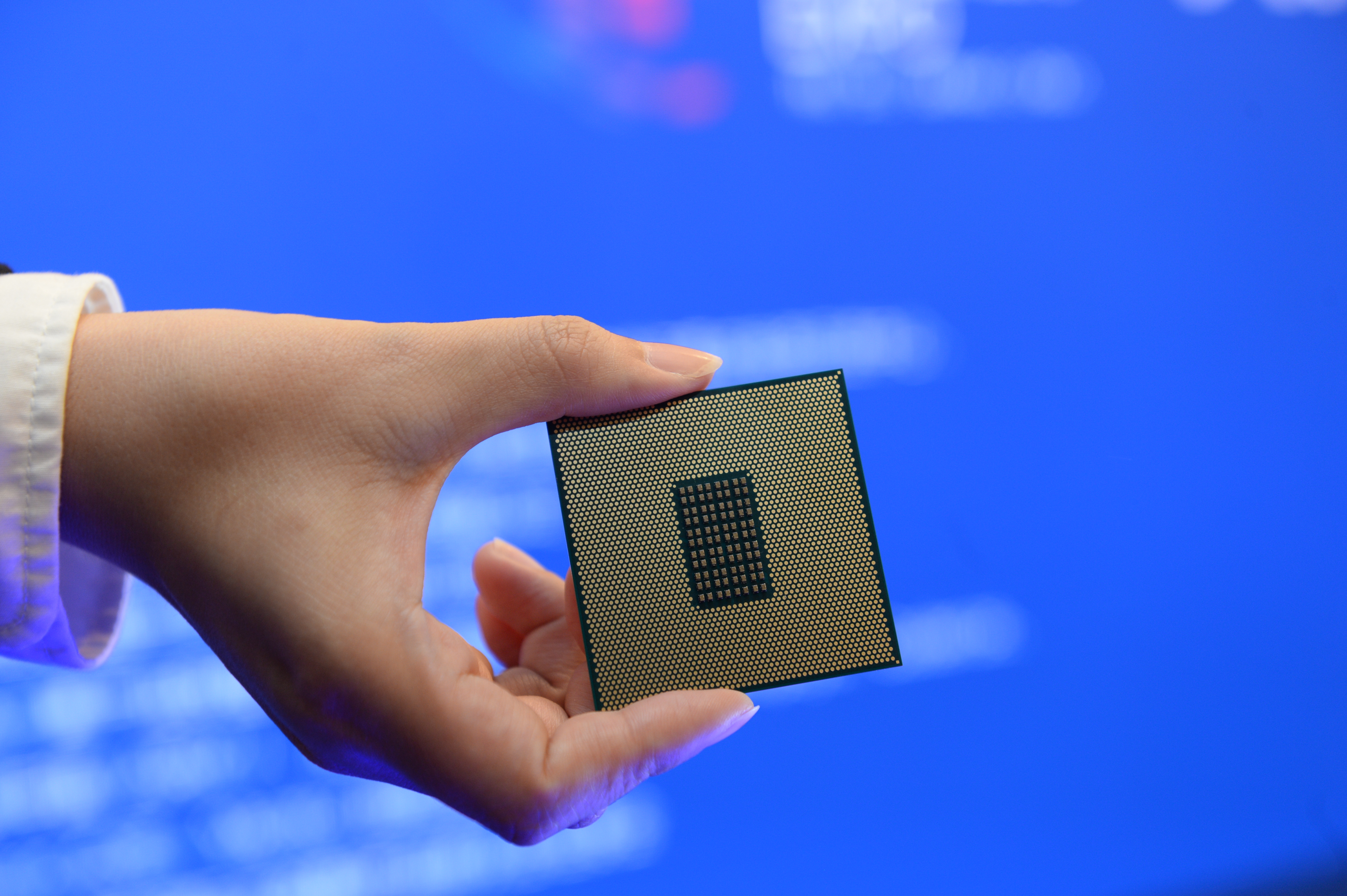 India egymilliárd dollárt fizetne a cégeknek, ha vállalják, hogy chipeket gyártanak az országban
