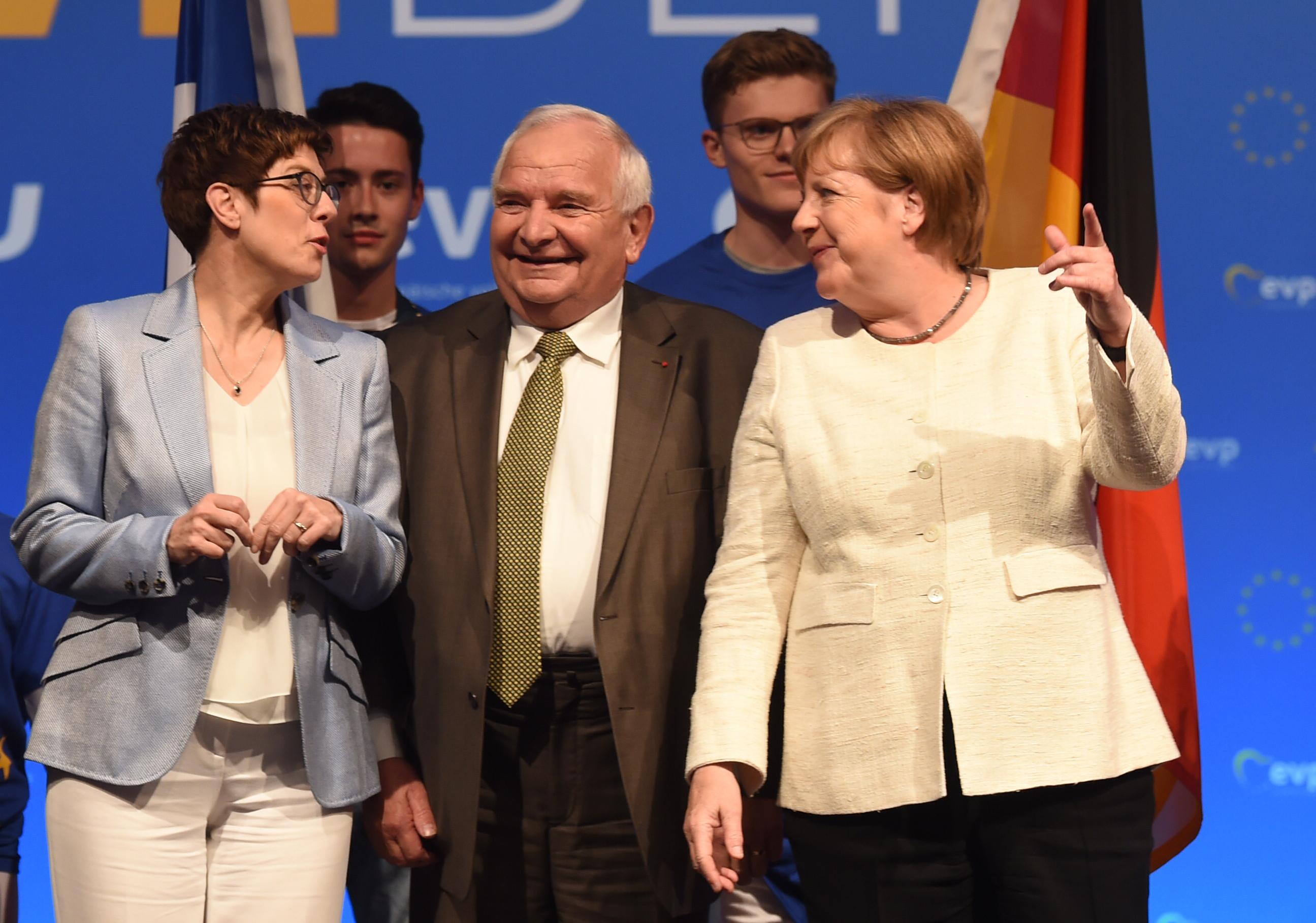 Az Európai Néppárt elnöke szerint nacionalistákkal és Európa-ellenesekkel nem lehet a jövőt építeni