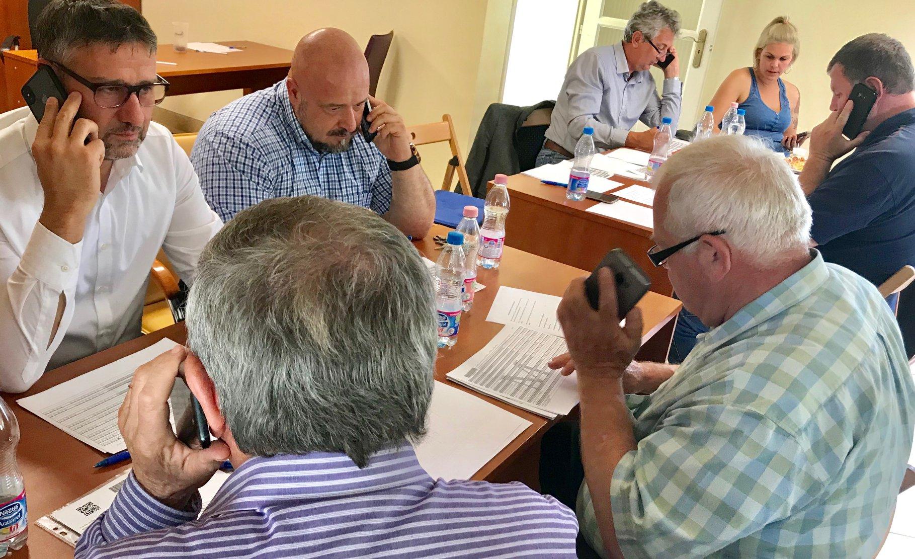 Simonka György simán kiposztolta, hogy a Kubatov-lista alapján hívogatja a választókat