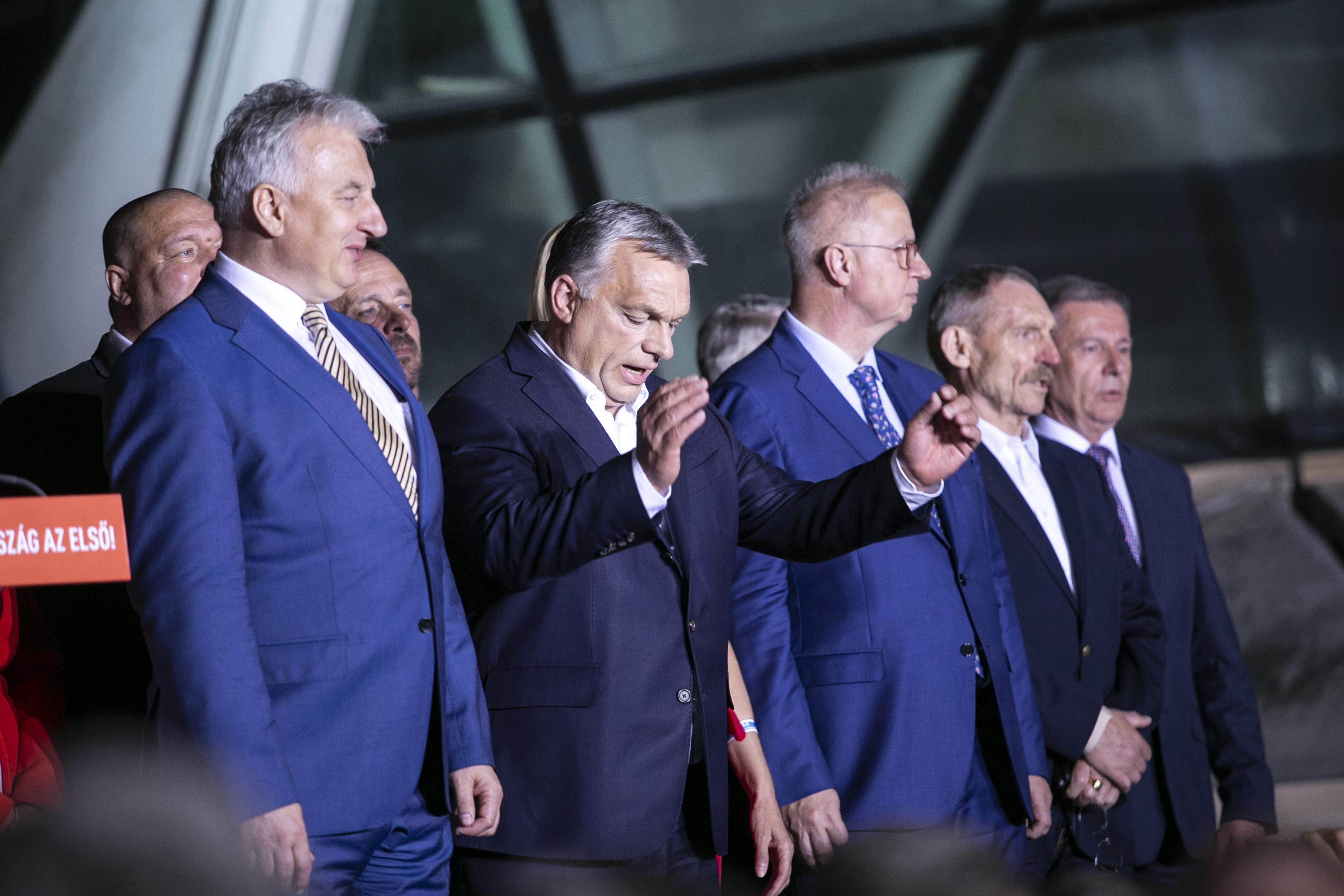 """A Nézőpont """"megmérte"""", hogy az ellenzék többet költött facebookos hirdetésekre, mint a Fidesz"""