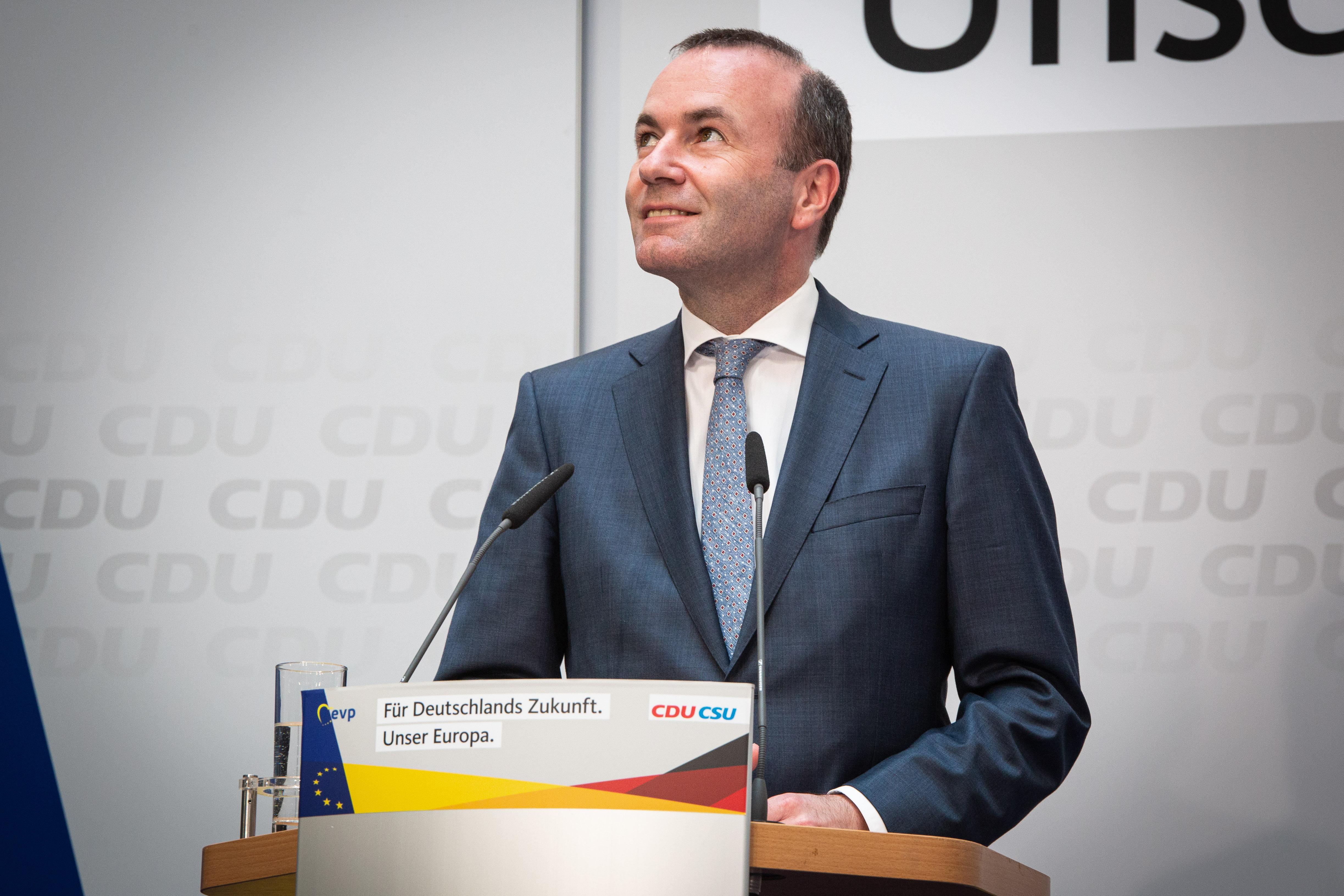 Manfred Weber szociáldemokratákkal, a liberálisokkal és a zöldekkel is tárgyal az Európai Bizottság új elnökéről