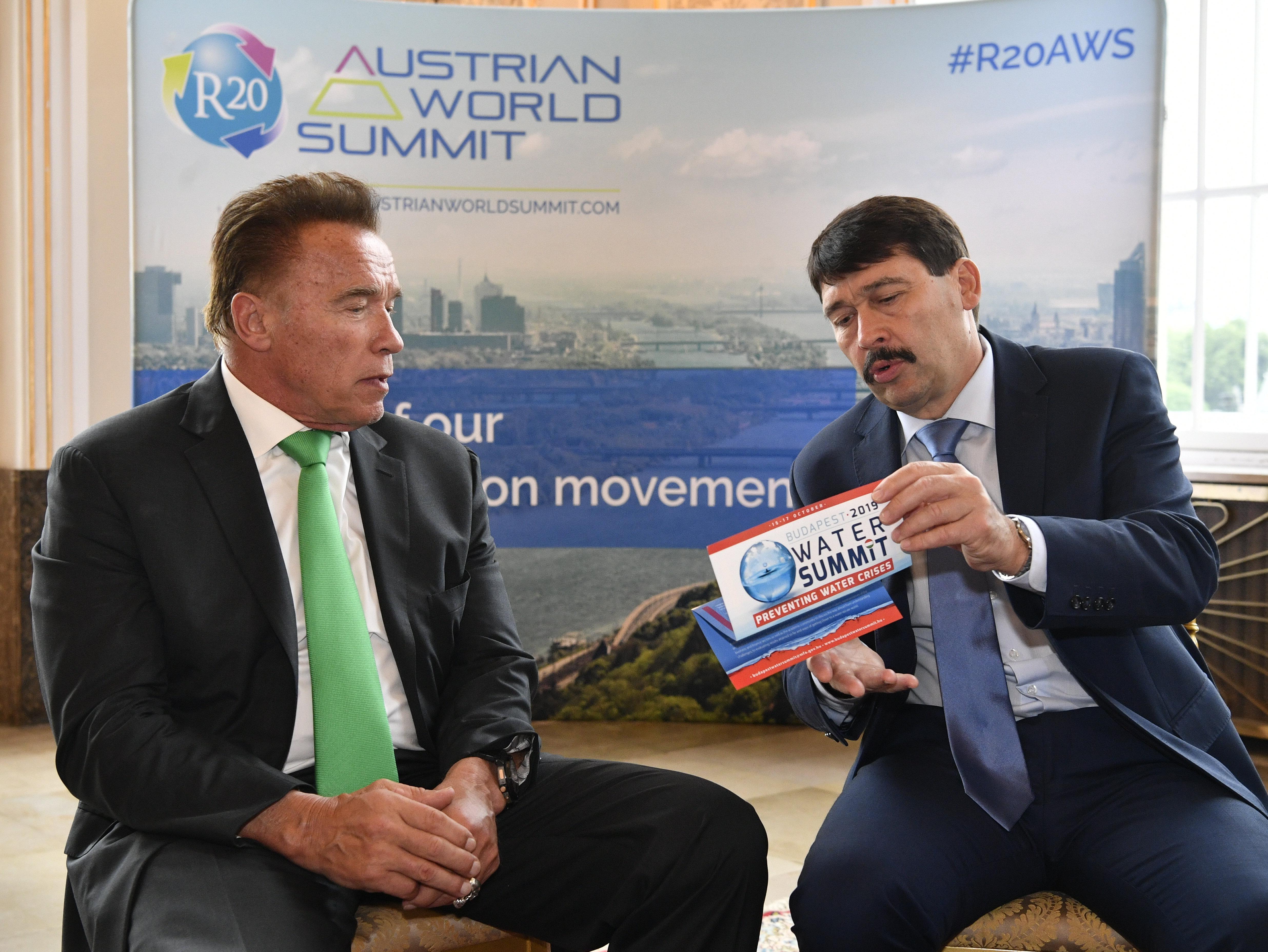 Áder János a vízkészletről magyarázott Arnold Schwarzeneggernek