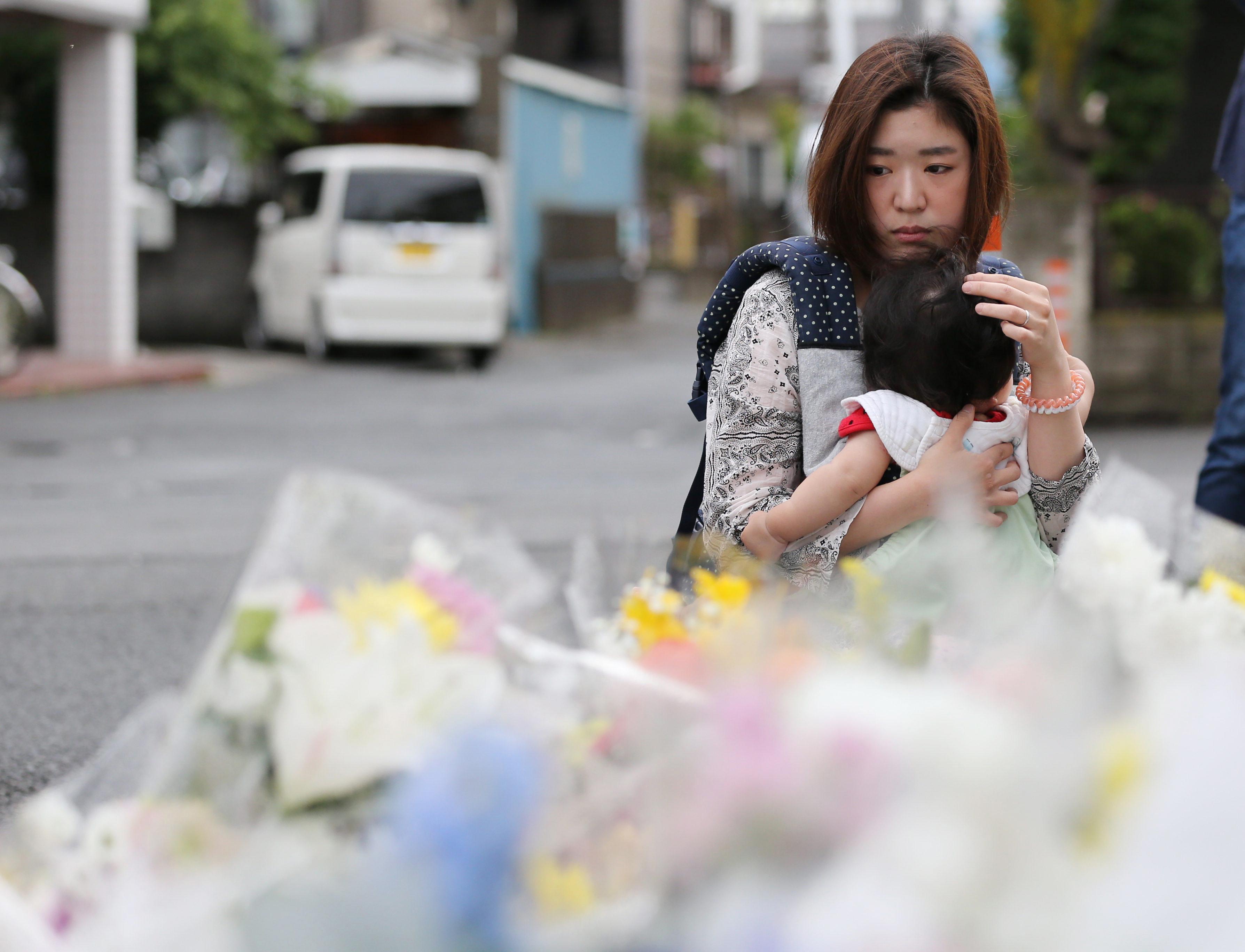 Japánban megerősítik a rendőri járőrözést az iskolák környékén