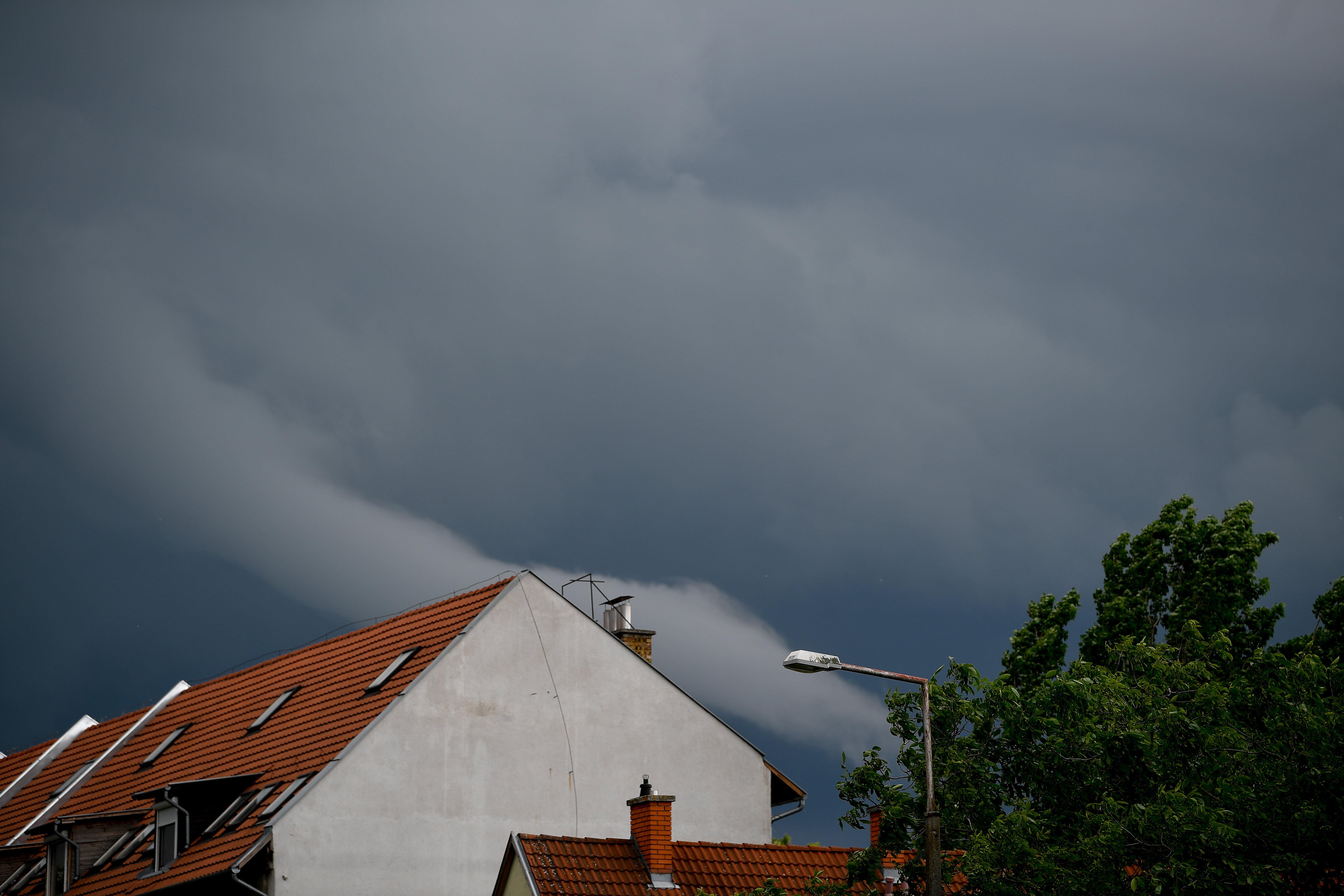 Tornádó alakult ki Debrecen mellett