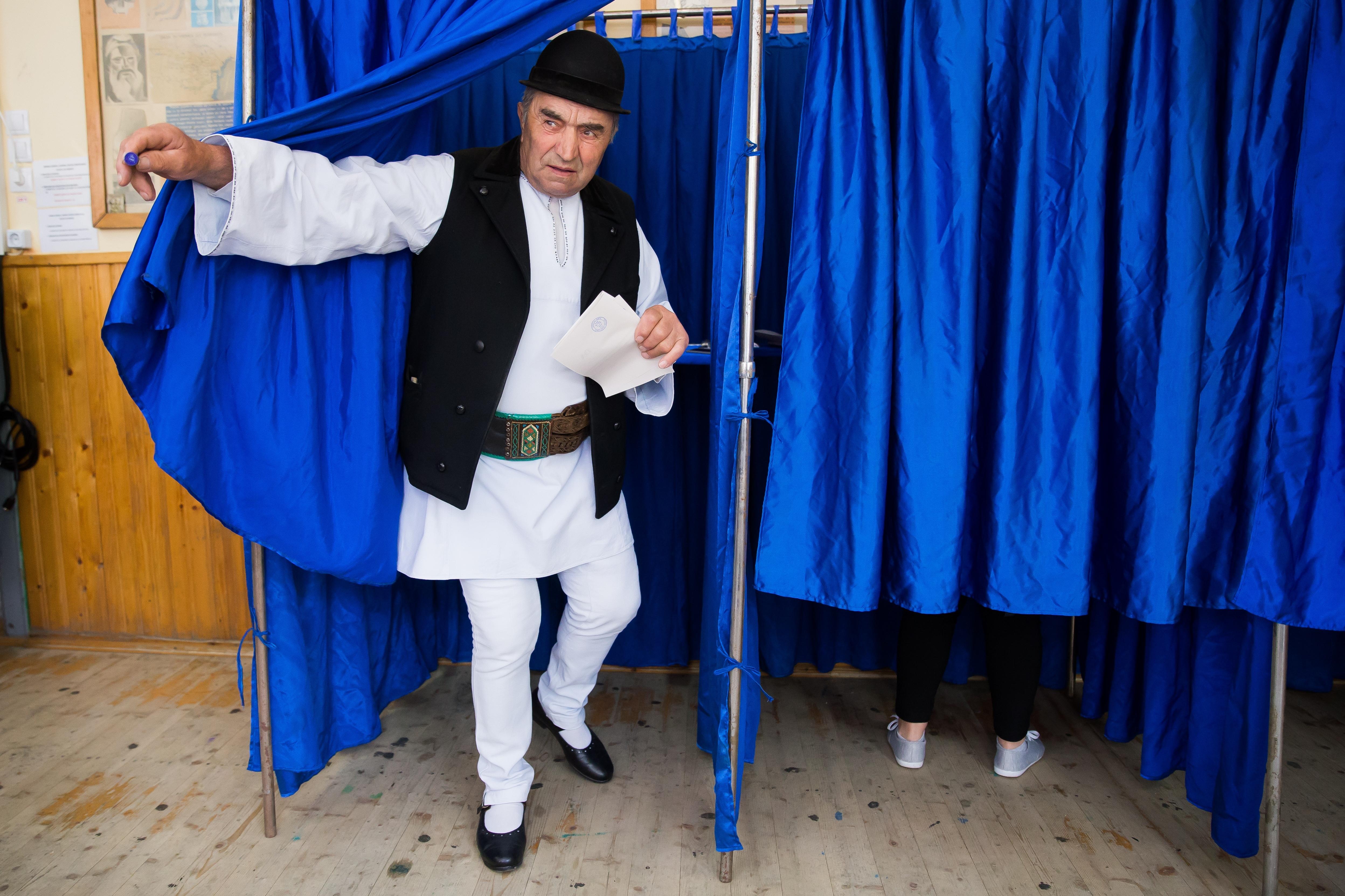 A román szocdemek színromán falvakba RMDSZ-színekben elküldött szavazóbiztosai révén juthatott be az EP-be a magyar párt