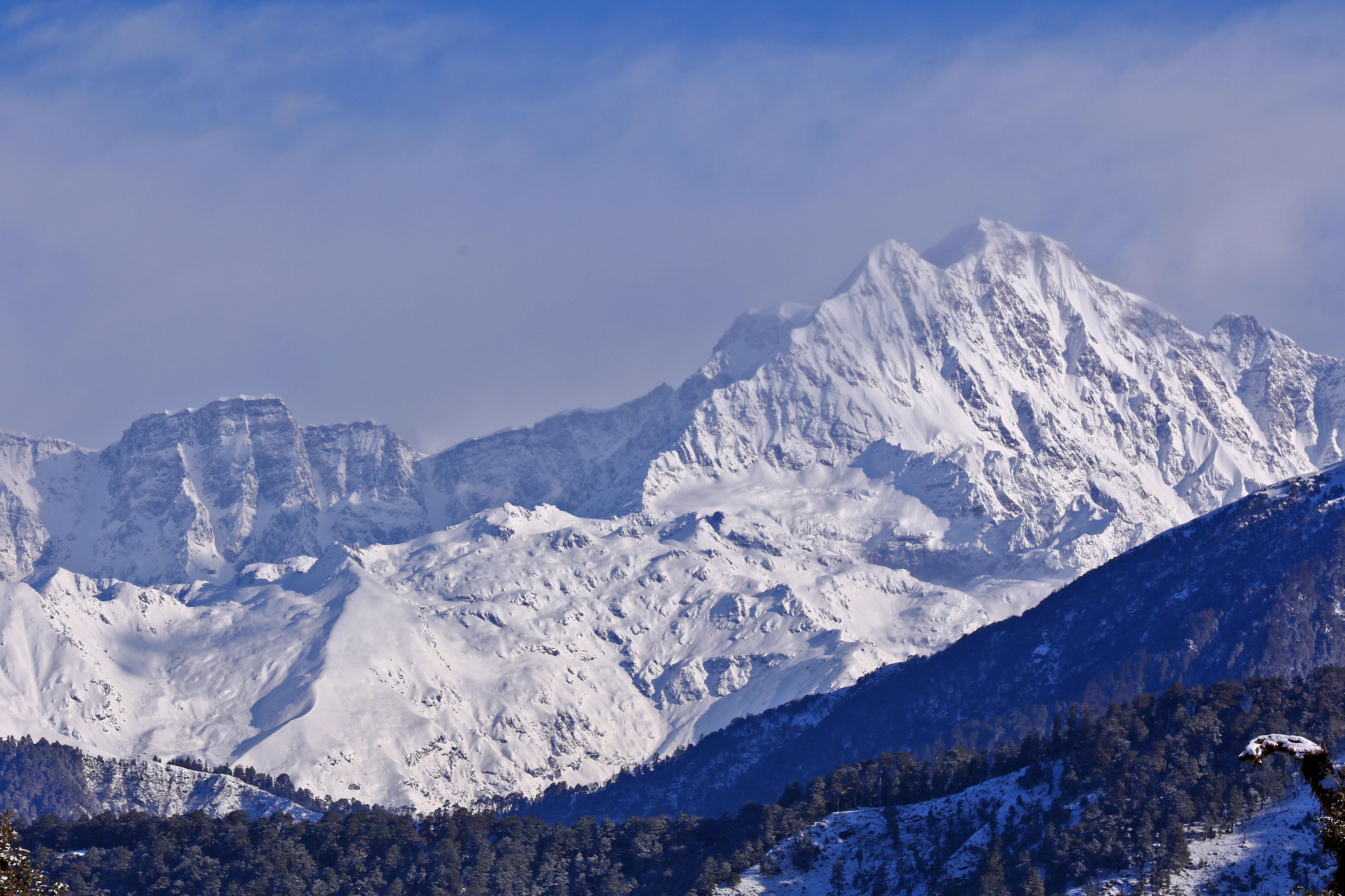 Nyolc hegymászó eltűnt a Himalájában