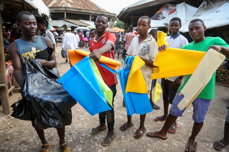 Tanzánia is betiltotta a műanyag bevásárló zacskókat