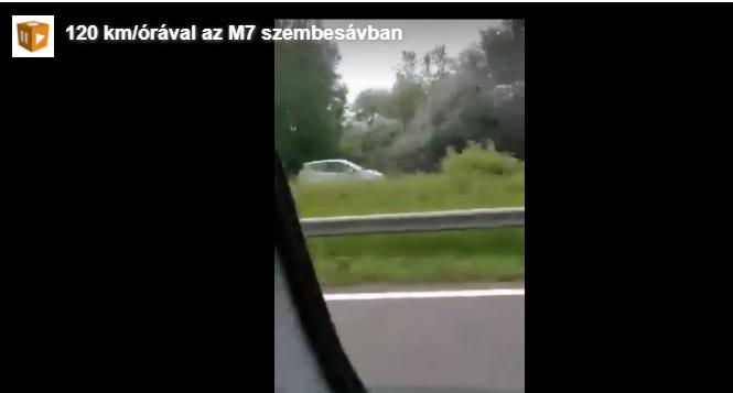 Forgalommal szembe ment egy kocsi az M7-esen