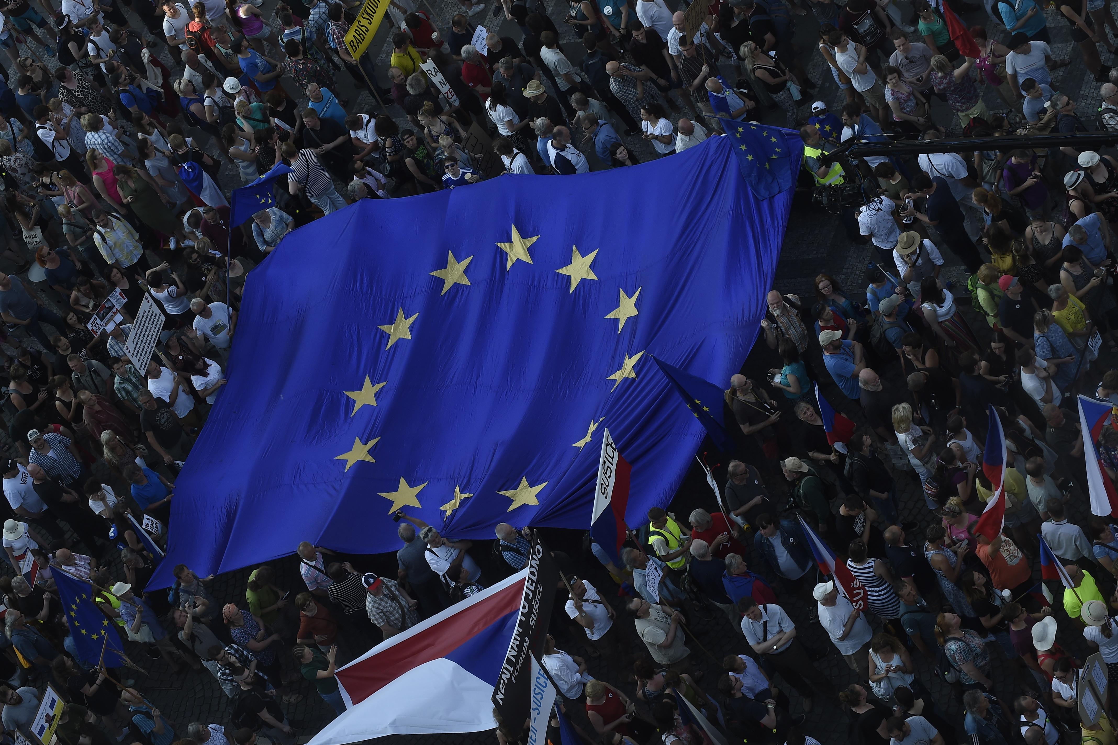 Jelentősen megnőtt a bizalom az EU-ban
