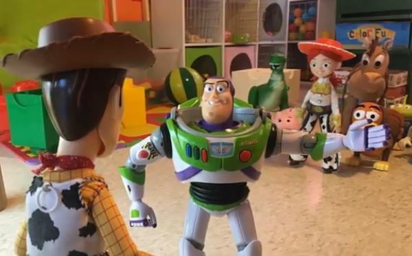 Egy testvérpár újraforgatta a Toy Story 3-at, igazi játékokkal