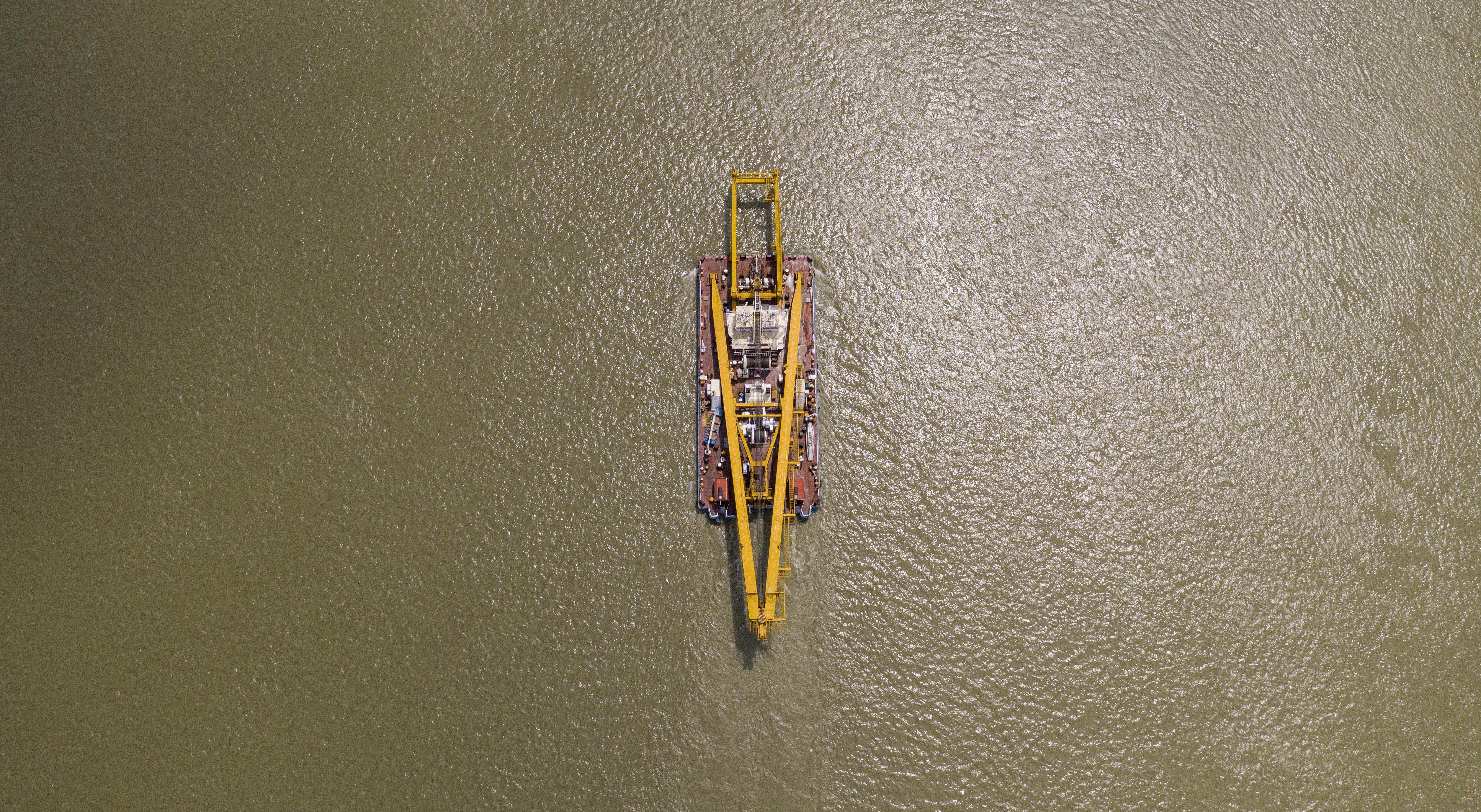 Engedély nélküli drónozás miatt intézkedtek a rendőrök az Árpád hídnál