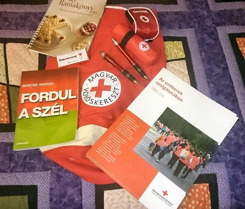 Tévedésből egy szélsőjobboldali, uszító pamfletet adtak ajándékba a gyerekeknek egy vöröskeresztes elsősegélynyújtó versenyen Budapesten