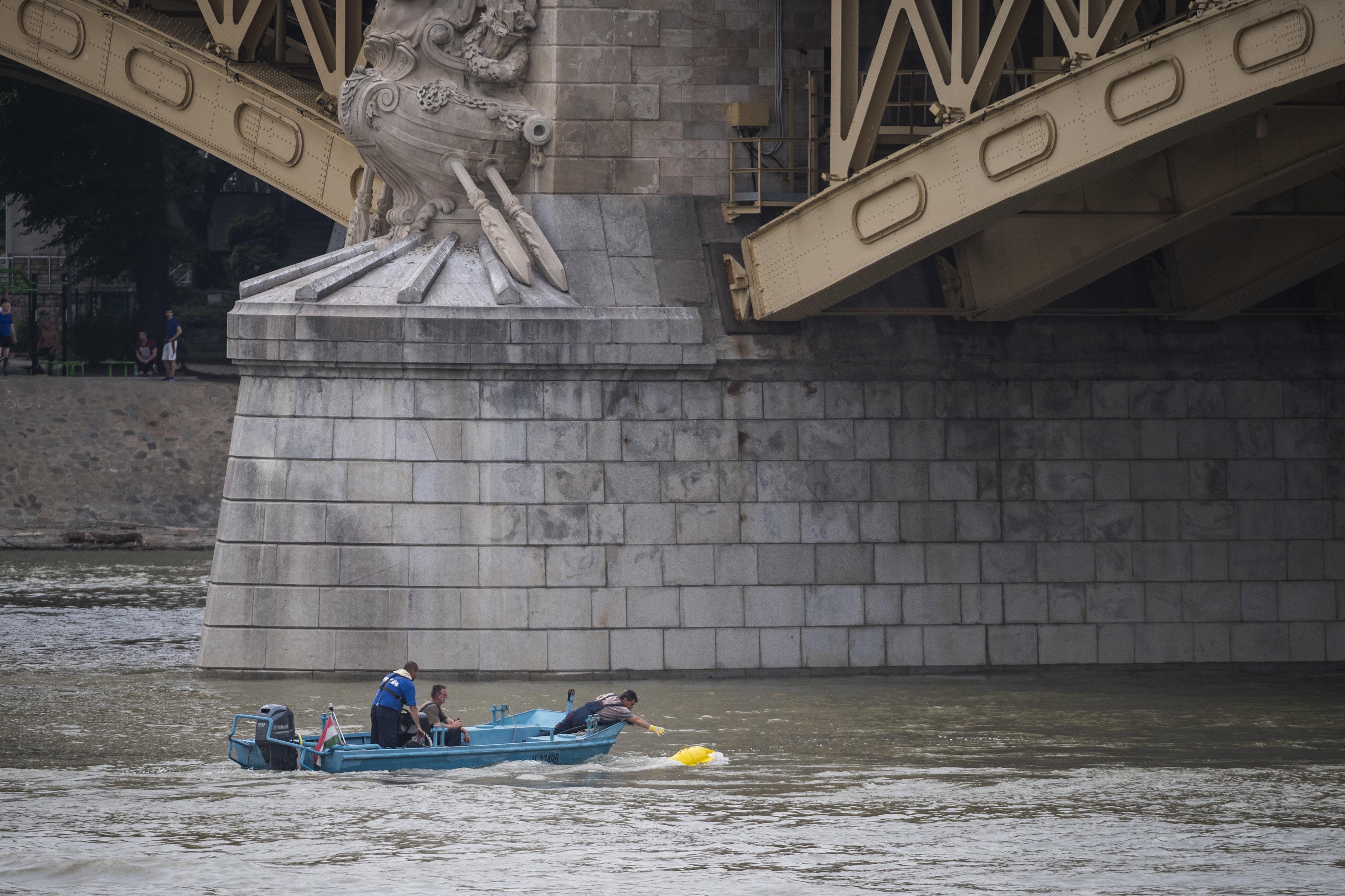 Azonosították a dunai hajóbaleset két újabb áldozatát, az egyikük magyar
