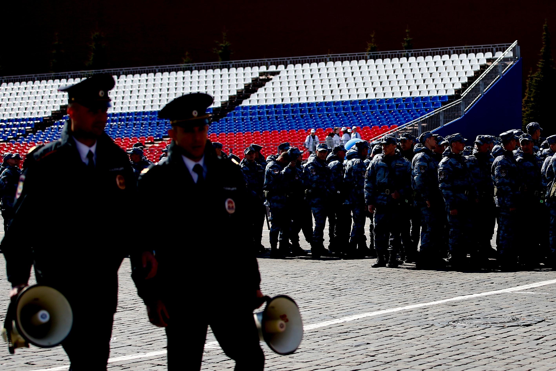 Moszkvában őrizetbe vették a Meduza oknyomozó újságíróját