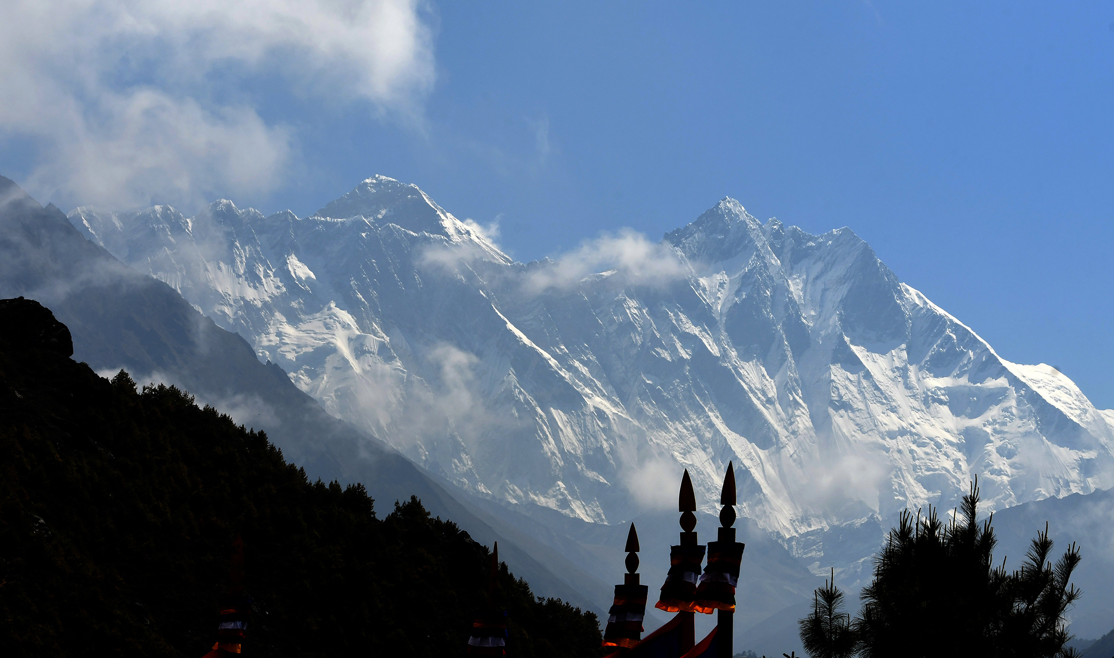 Egy magyar hegymászót keresnek a Himalájában