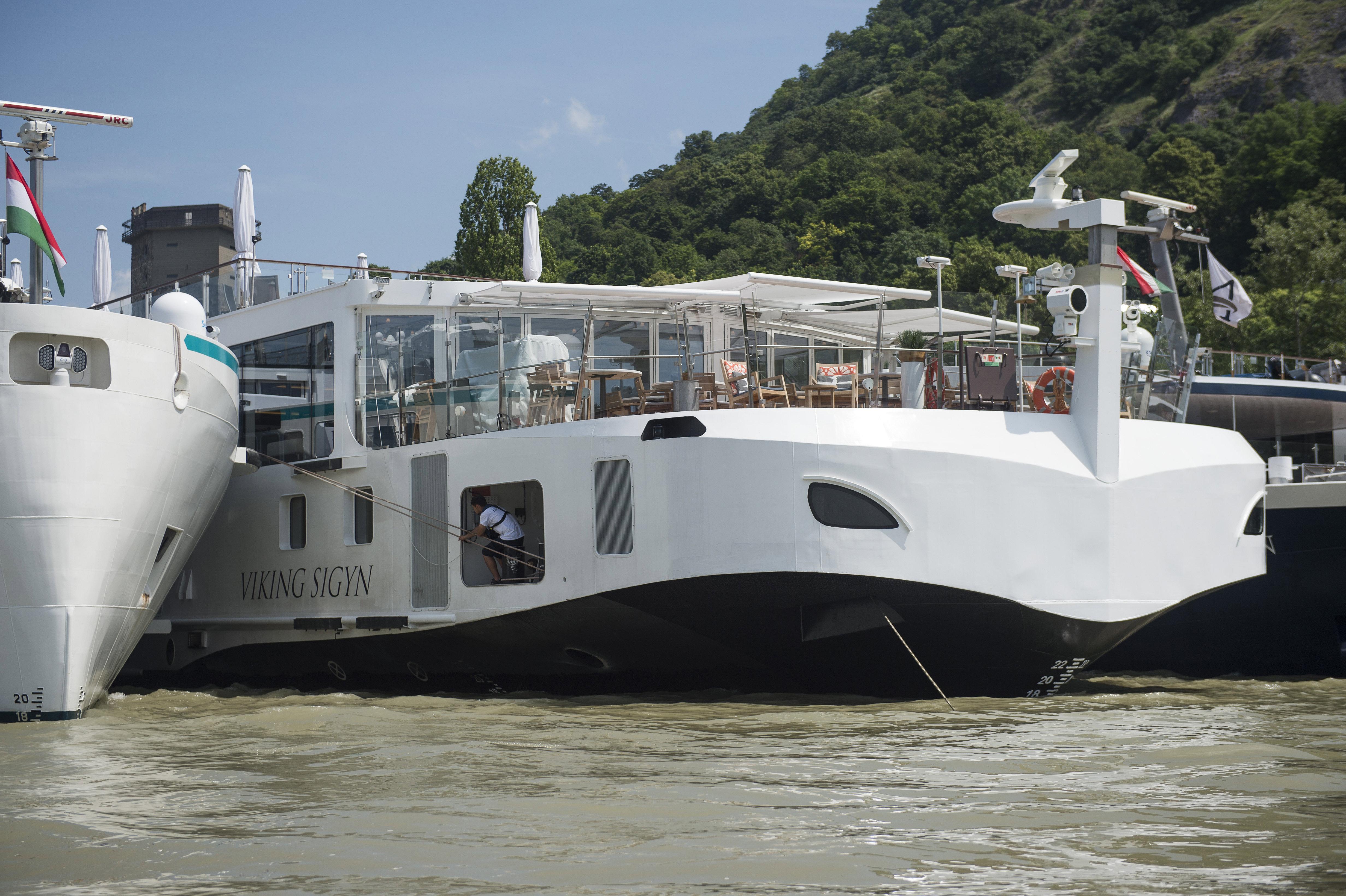 A Hableányt üzemeltető cég kitiltatná a Viking társaság szállodahajóit a Duna magyar szakaszáról