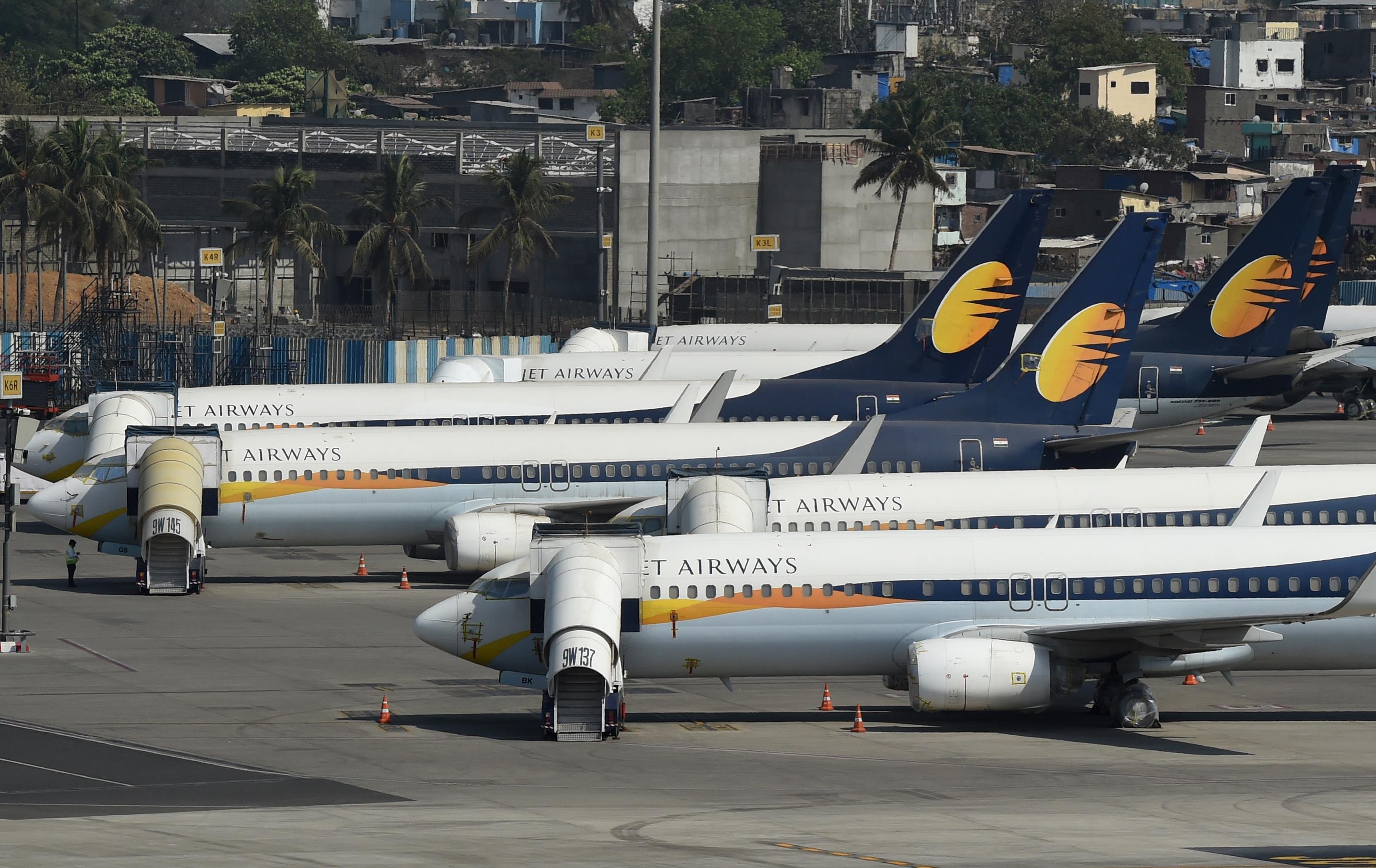 Az 50 eurónál olcsóbb repülőjegyeket adóztatná a CSU