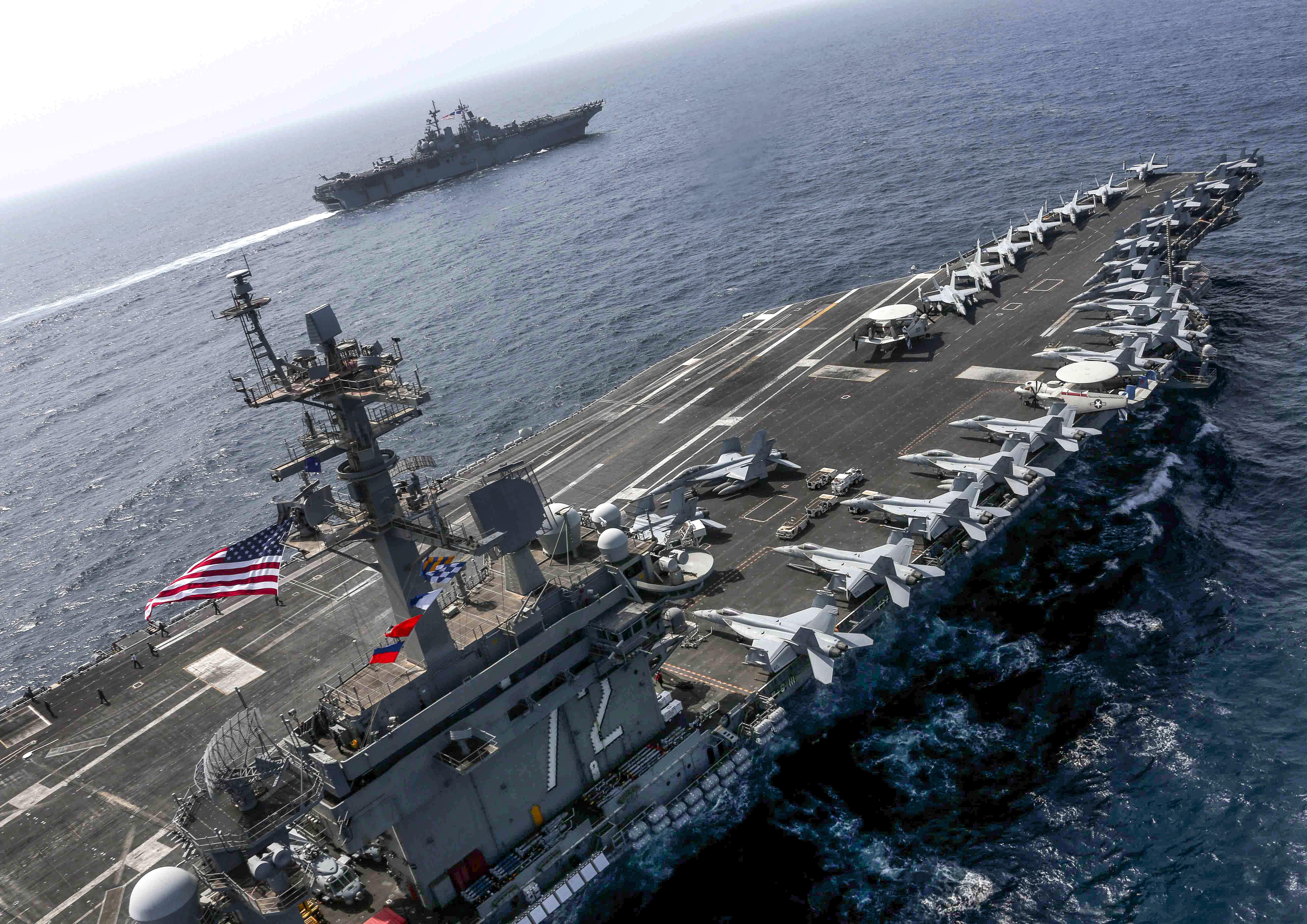 Irán atomprogramja újraindításával, az USA csapatátvezényléssel fenyegetőzik