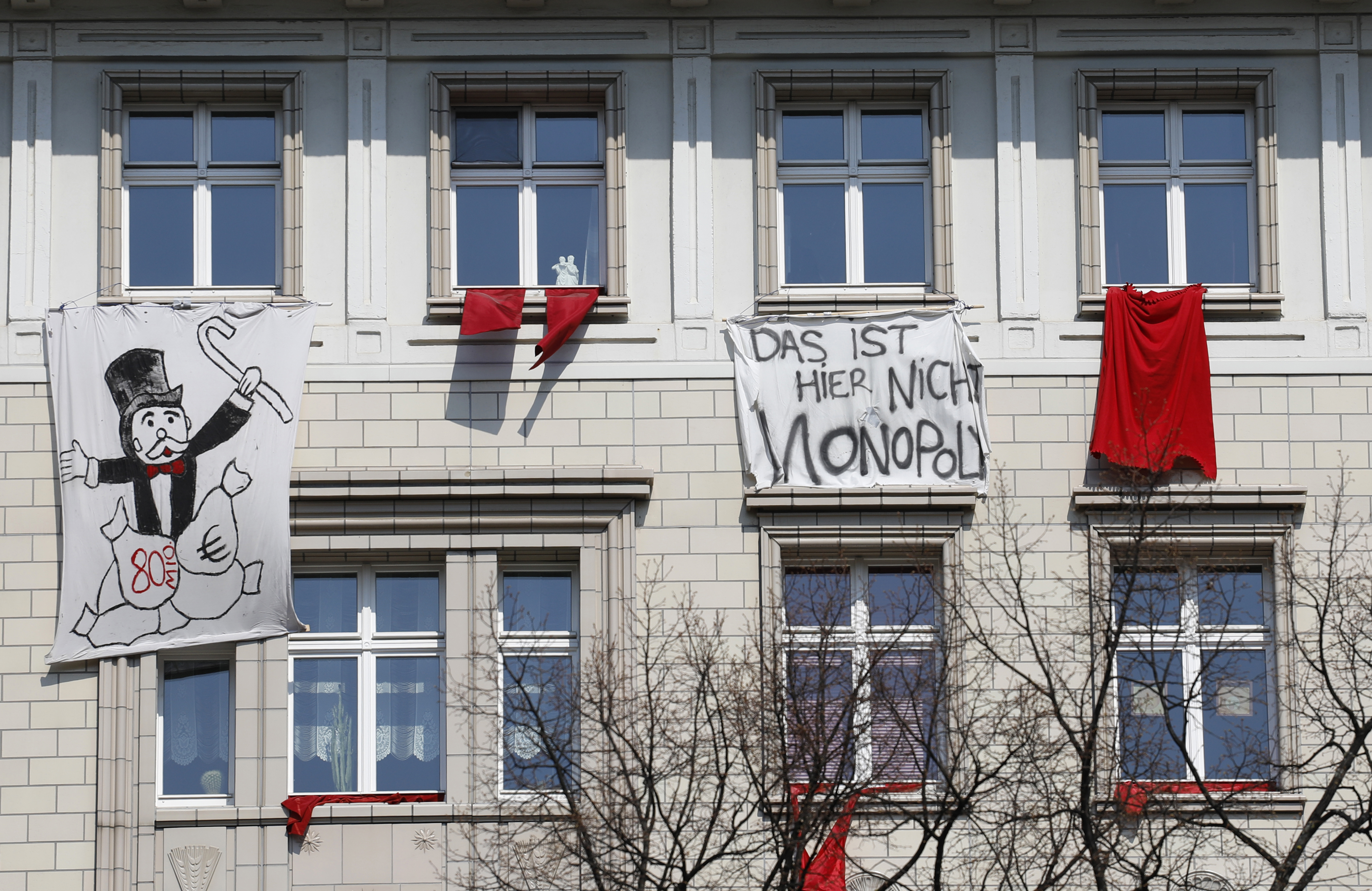 Berlinben öt évre befagyasztják a lakbéreket