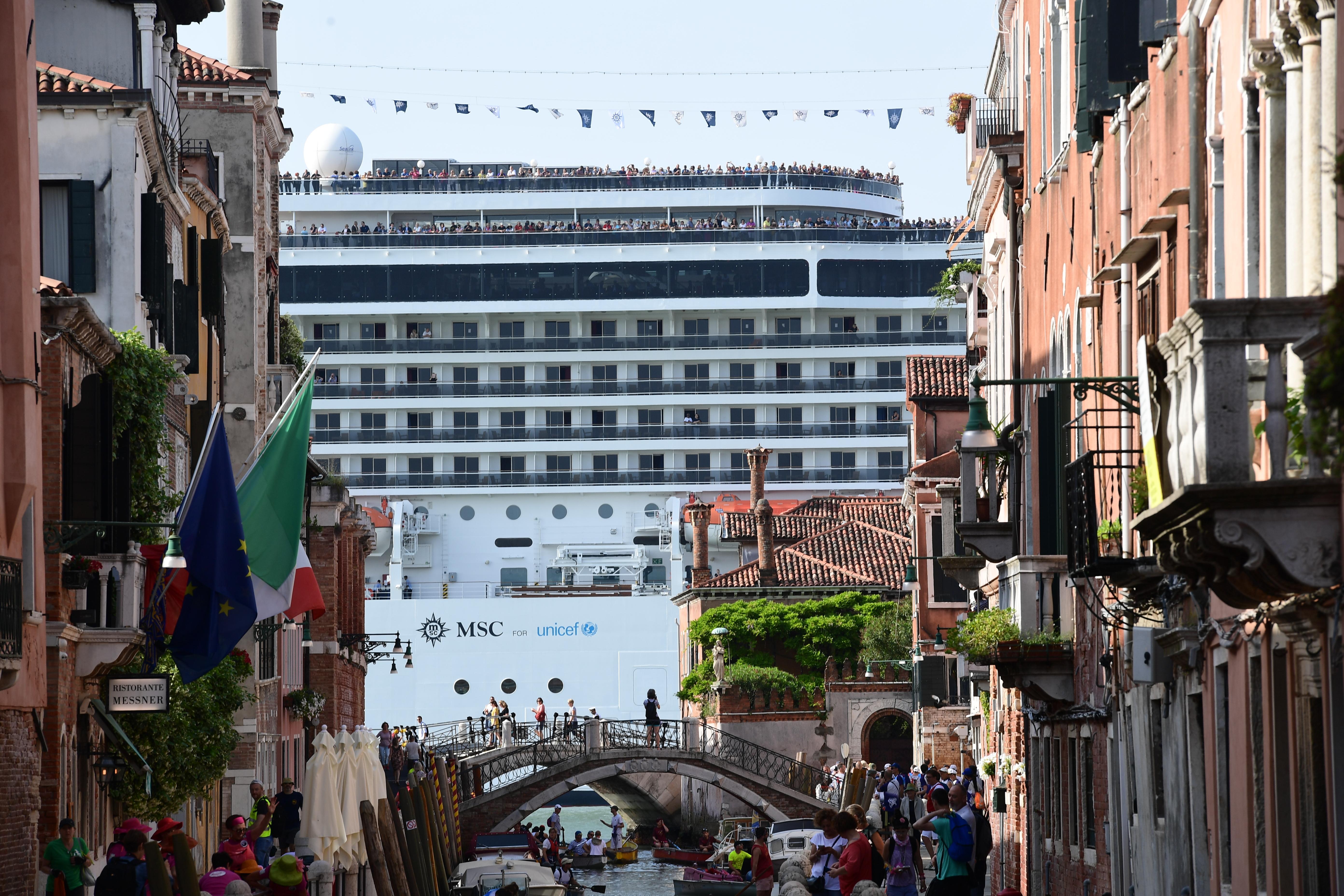 Kitiltották az ócenjárókat Velence történelmi központjából