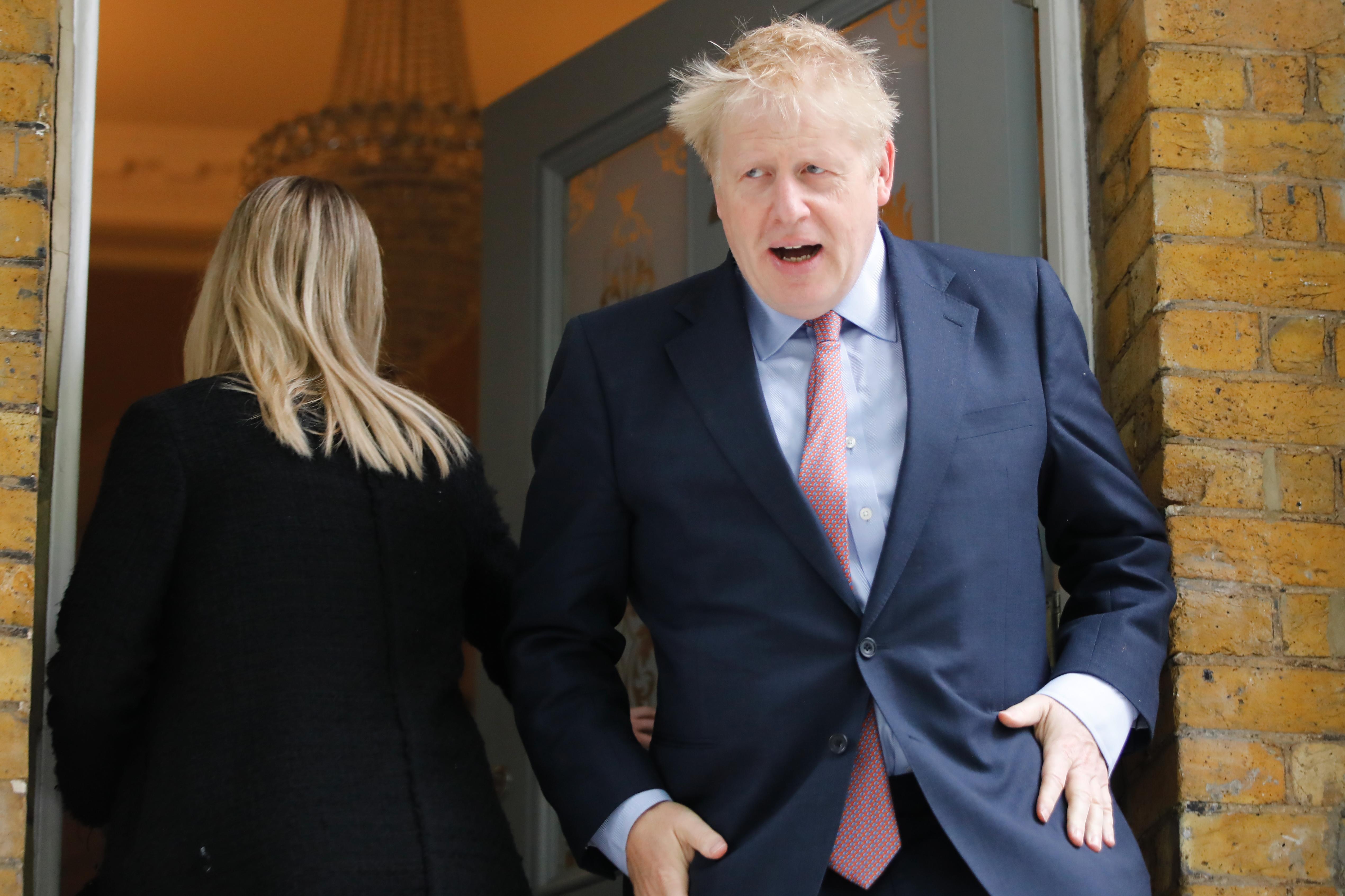 A brit miniszterelnöki szék várományosa, Boris Johnson szomszédai kihívták a rendőrséget, annyira durván egymásnak estek a barátnőjével