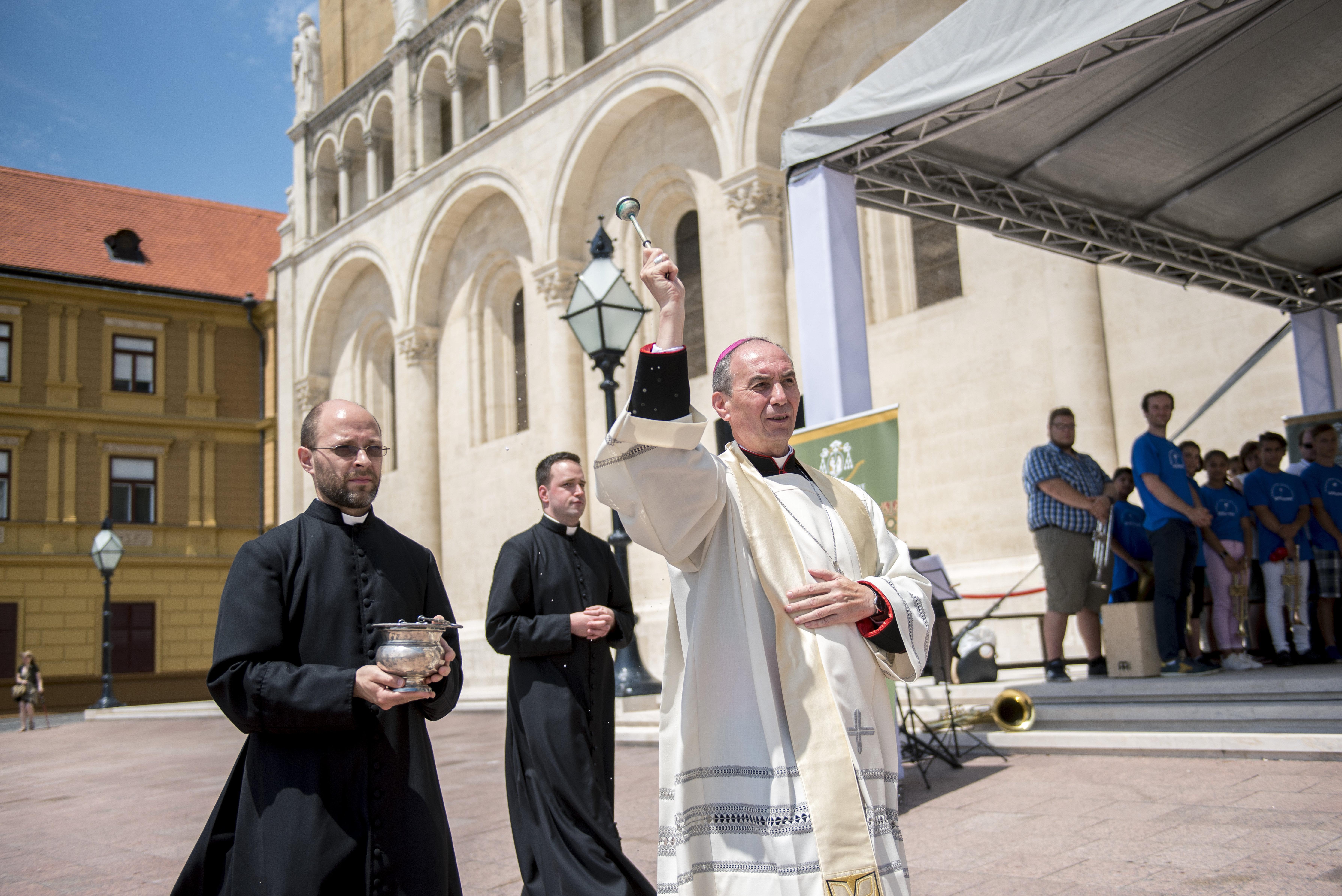 Ferenc pápa kinevezte Beer Miklós utódját, és érsekké léptette elő Udvardy Györgyöt