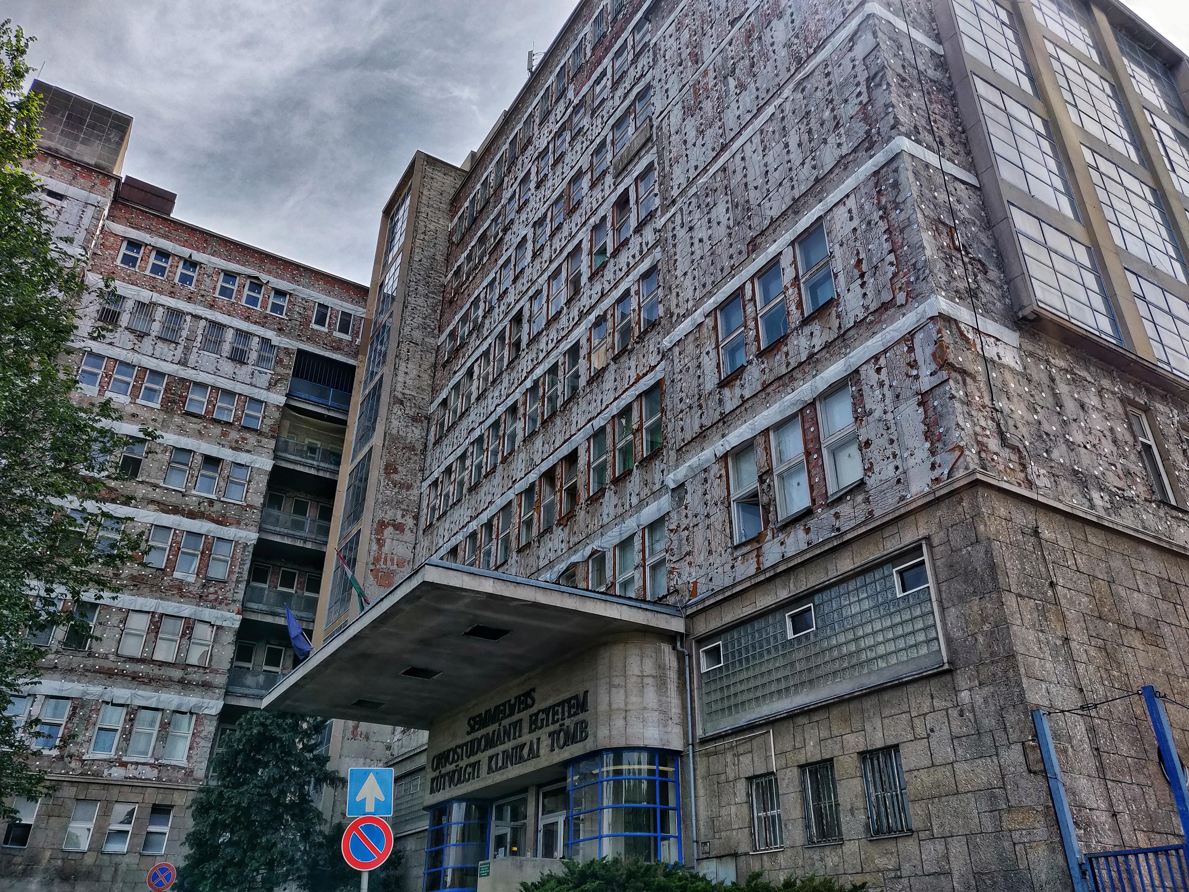 Alkalmi nehézségnek nevezte a magyarországi orvoshiányt Gulyás Gergely